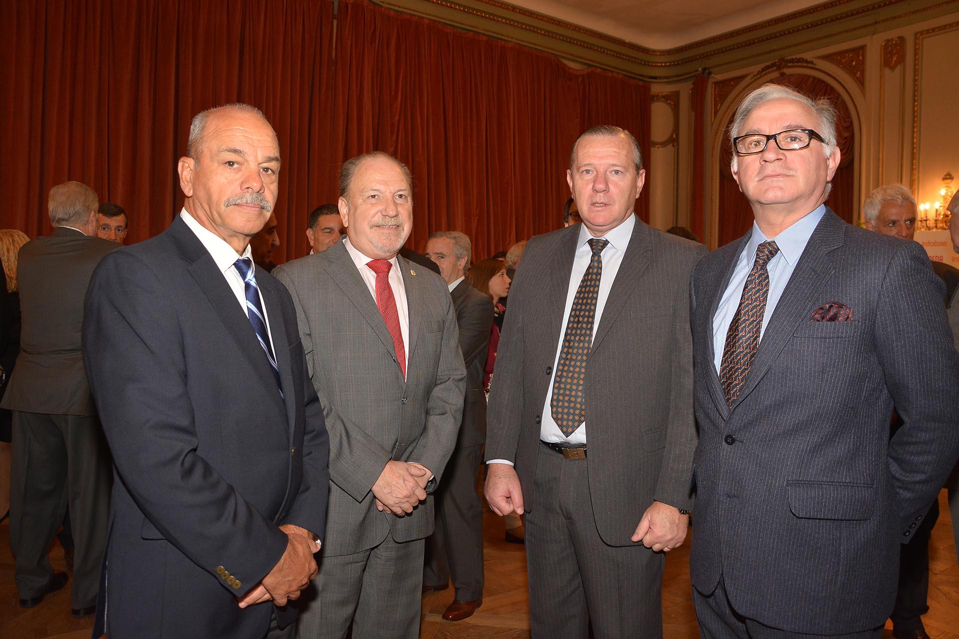 El ex jefe del Ejército, Ricardo Cundom; teniente general Francisco Gassino; coronel José Ernesto Scacchi y coronel Horacio Sánchez Mariño.