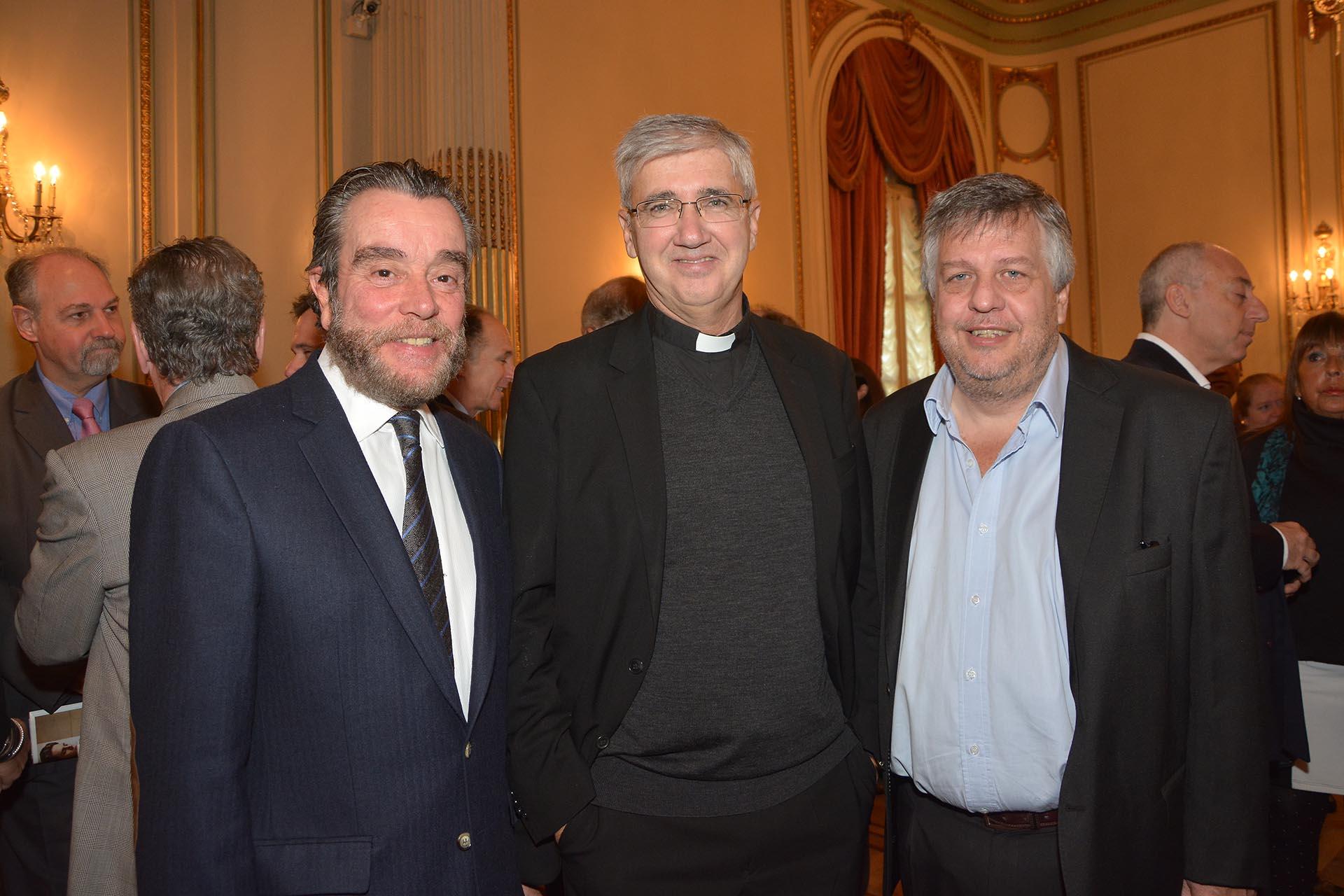 Gustavo Gorriz, director de la revista DEF; el sacerdote Guillermo Marcó; y el fiscal Carlos Stornelli
