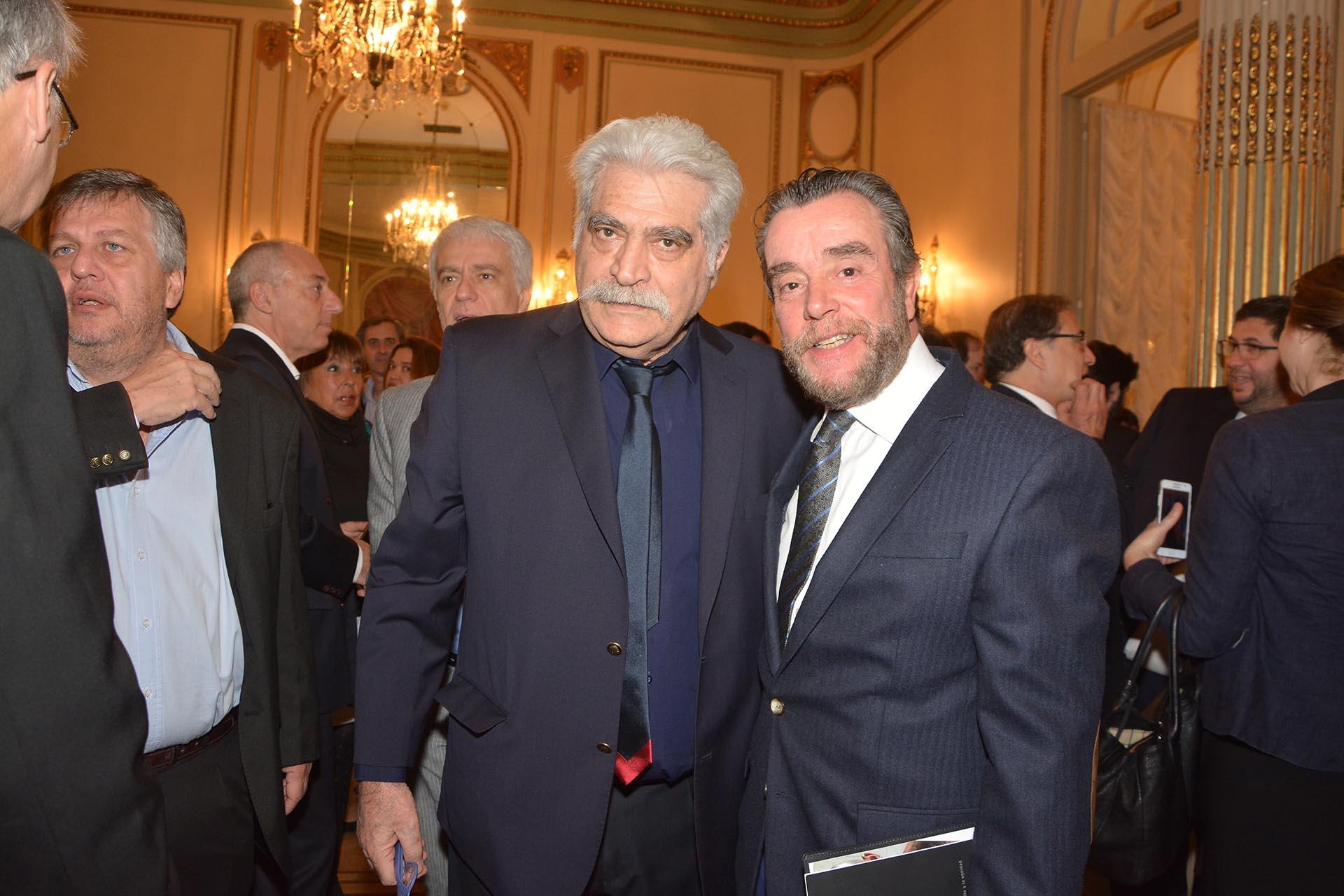 El escritor Jorge Asís y Gustavo Gorriz
