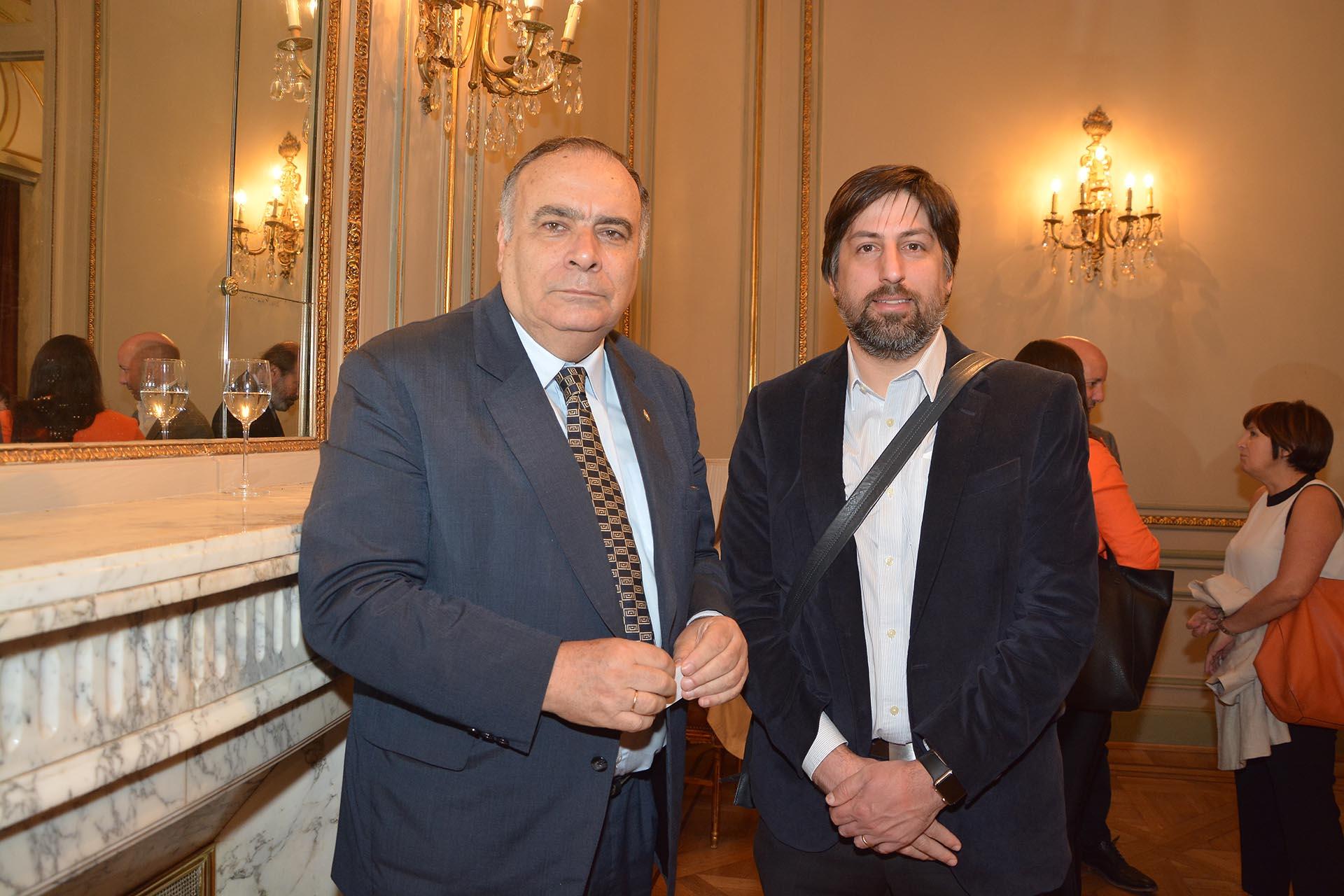 El embajador Héctor Lescano y Nicolás Trotta, rector de la Universidad Metropolitana para la Educación y el Trabajo (UMET).