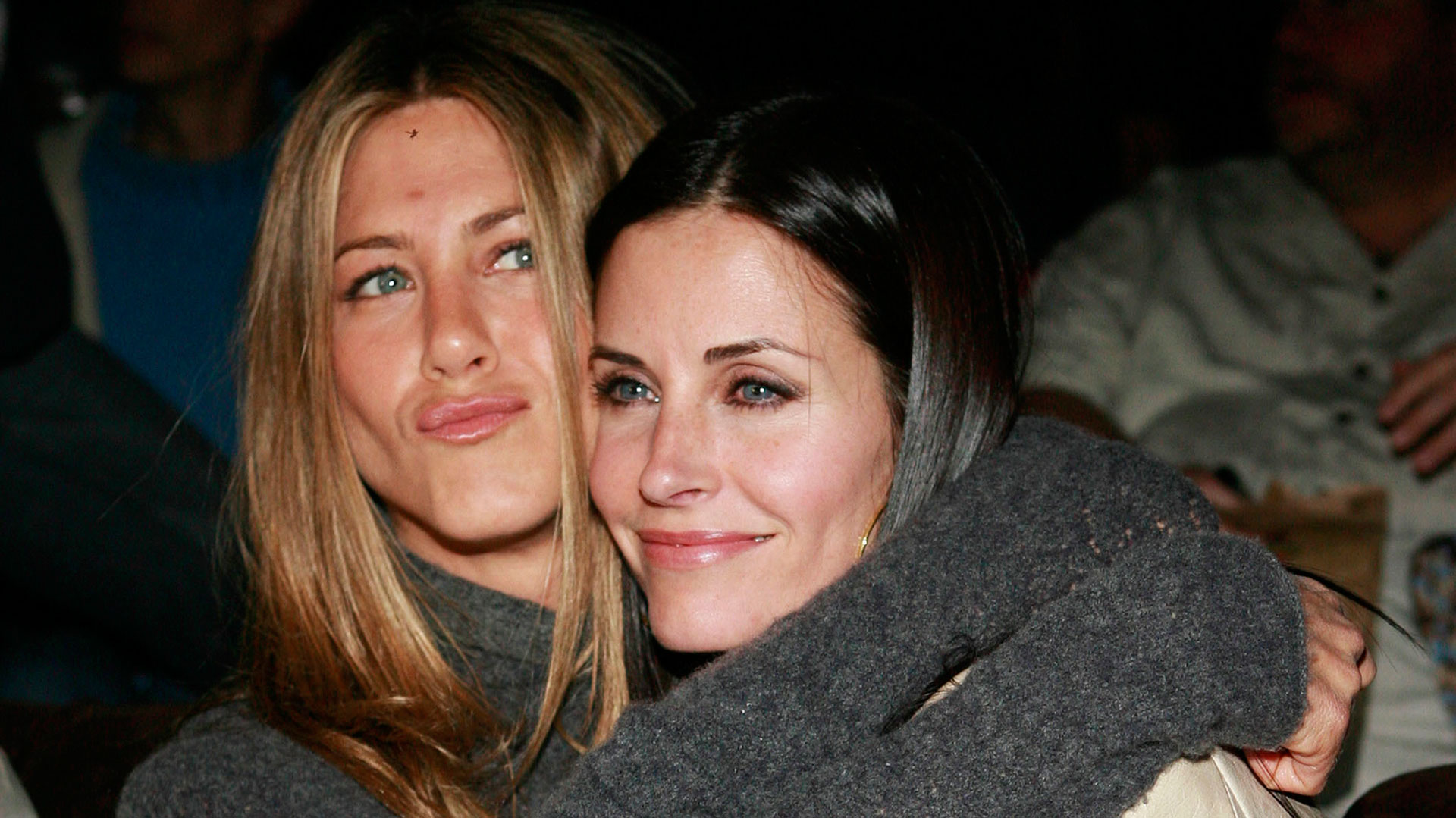 Jennifer Aniston con Courteney Cox, una de sus íntimas amigas de Hollywood