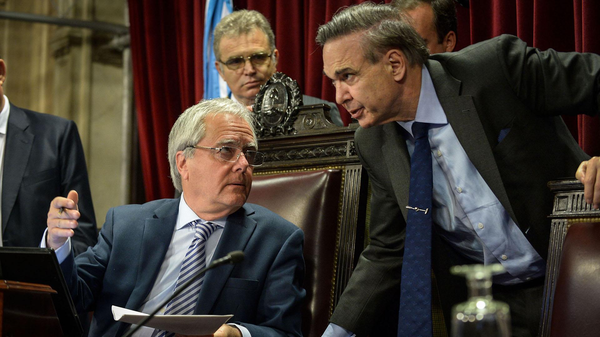 Pichetto sería el líder del nuevo espacio peronista en el Senado (NA)