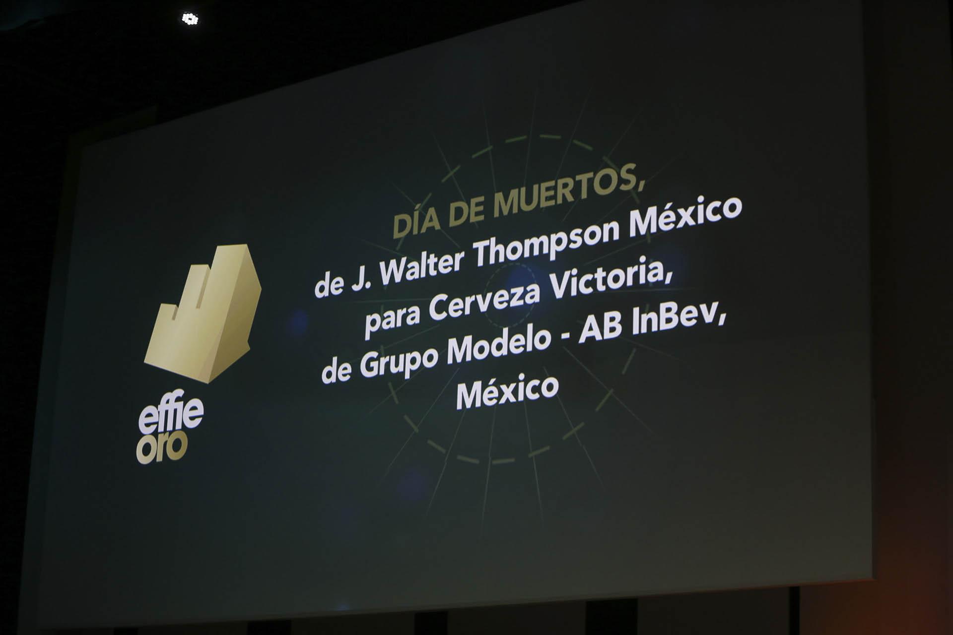 """En la categoría """"Bebidas Alcohólicas"""", el premio Effie de Oro fue para Día de Muertos, de J. Walter Thompson México para Grupo Modelo – AB InBev, México"""