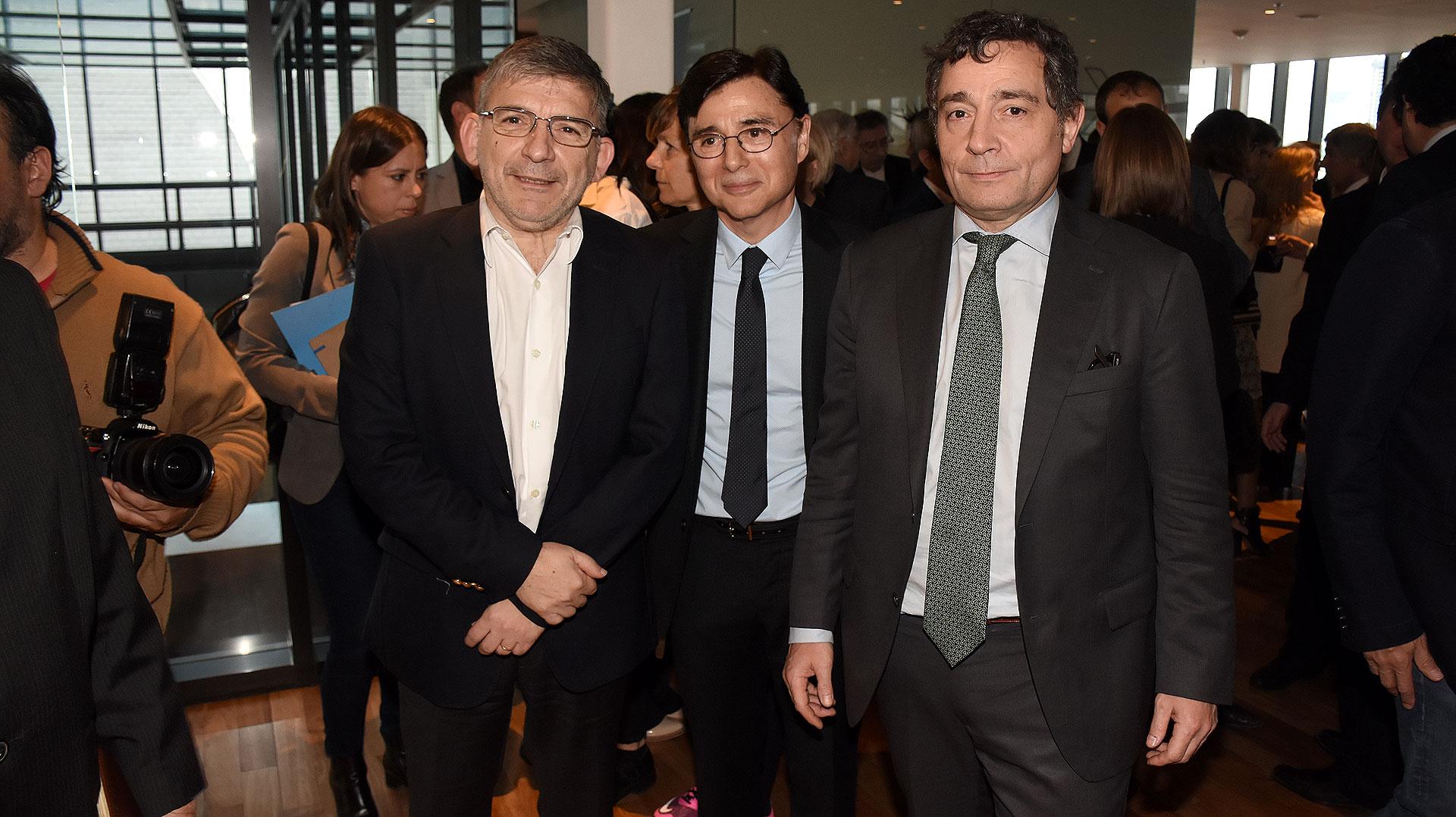 """El secretario de Comunicación Pública, Jorge Greco y Fabián """"Pepín"""" Rodríguez Simón junto a Fontevecchia"""