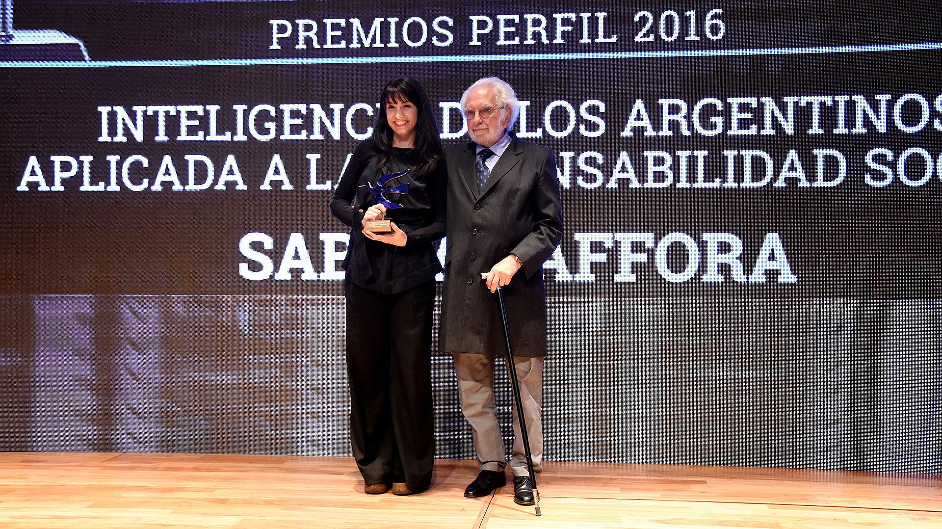 Pacho O'Donnell junto a Sabina Zaffora