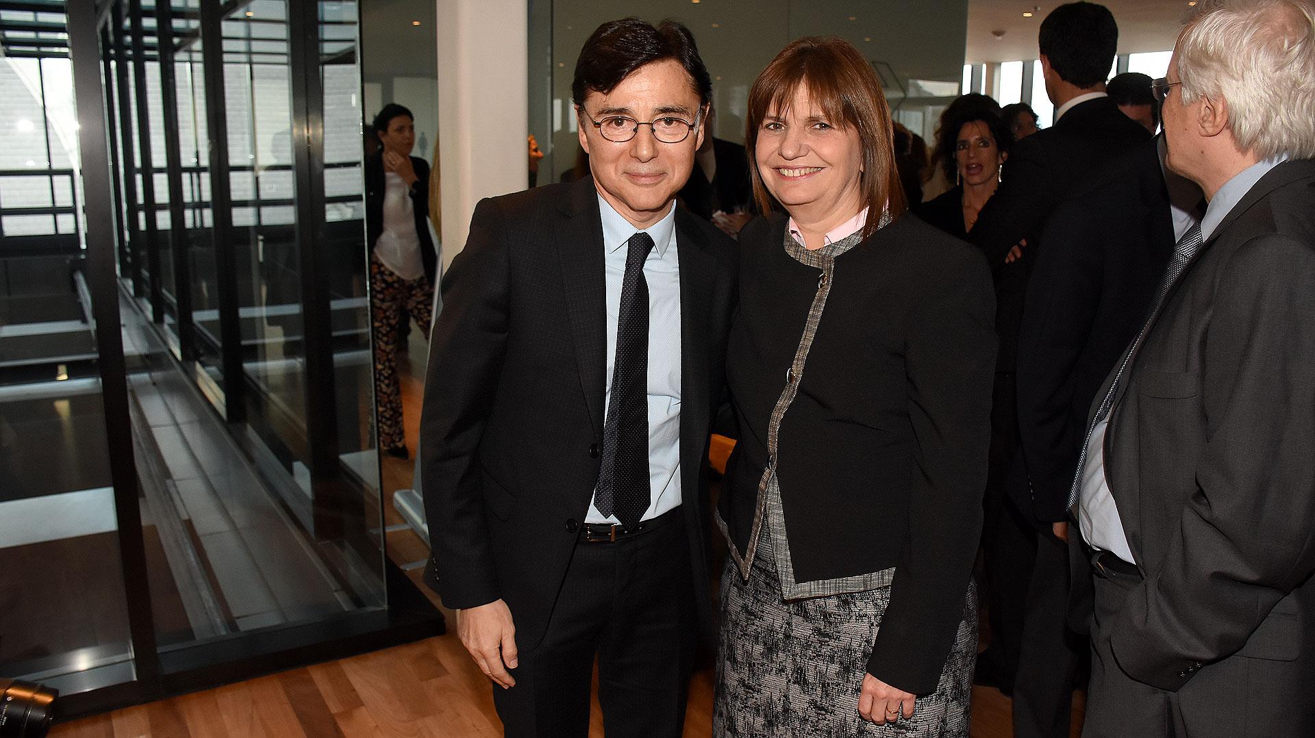 Jorge Fontevecchia junto a la ministra Patricia Bullrich