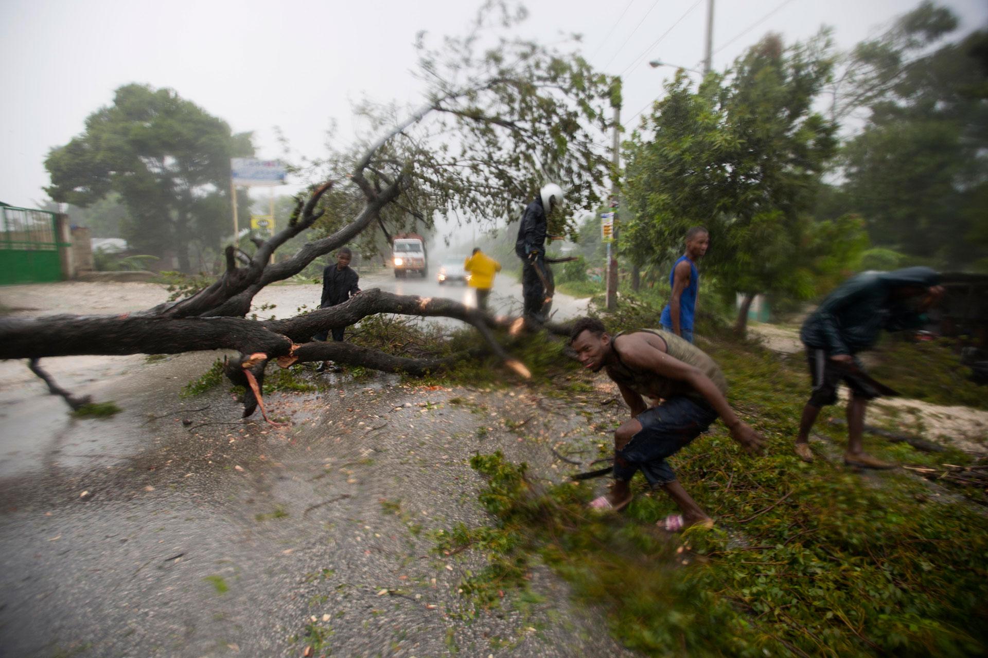 Este enorme huracán hizo su entrada a Cuba en horas de la tarde por Punta Caleta con una velocidad de traslación de 15 kilómetros por hora (AP)