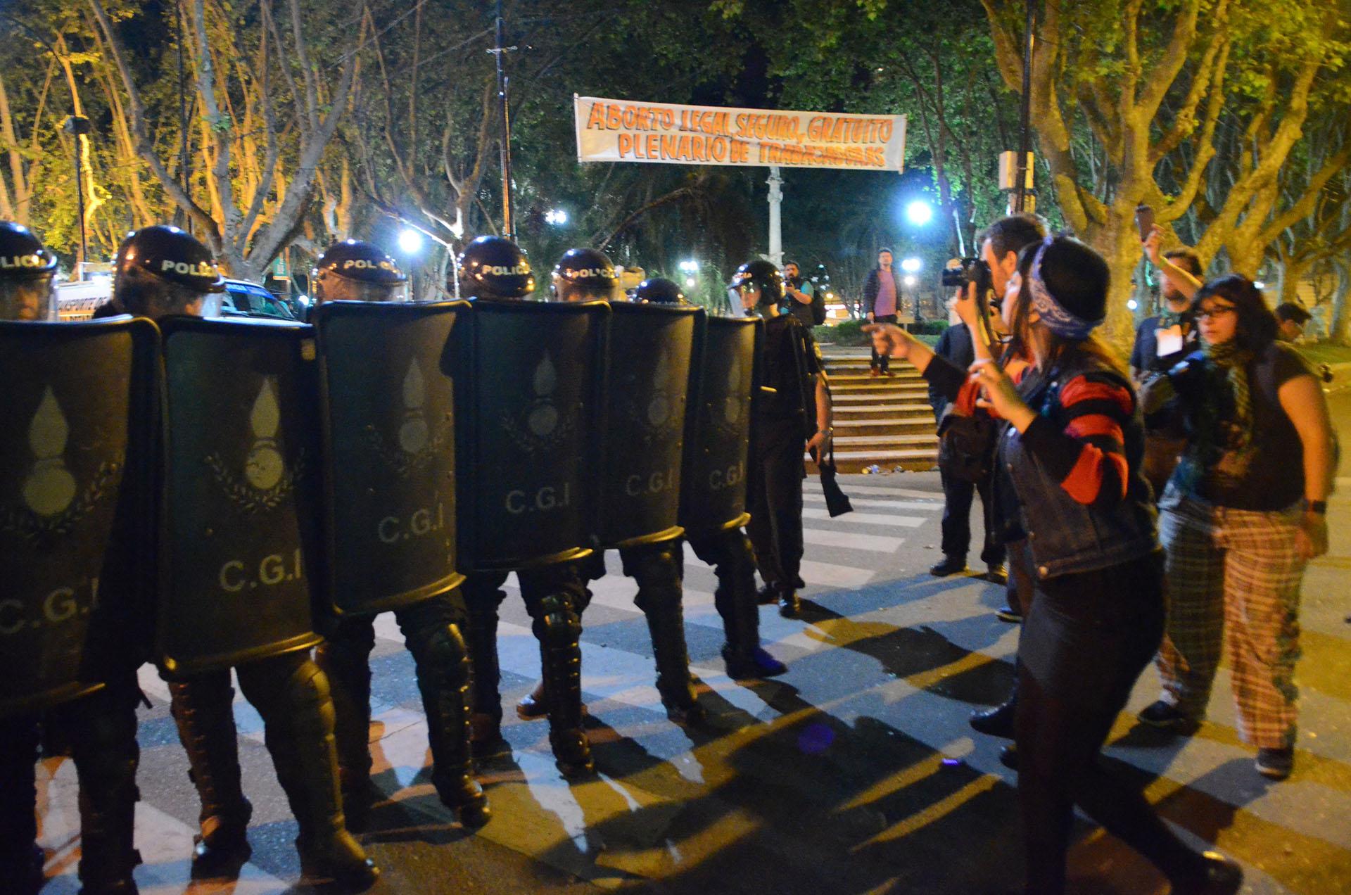 Los disturbios se iniciaron en cercanías de la Catedral