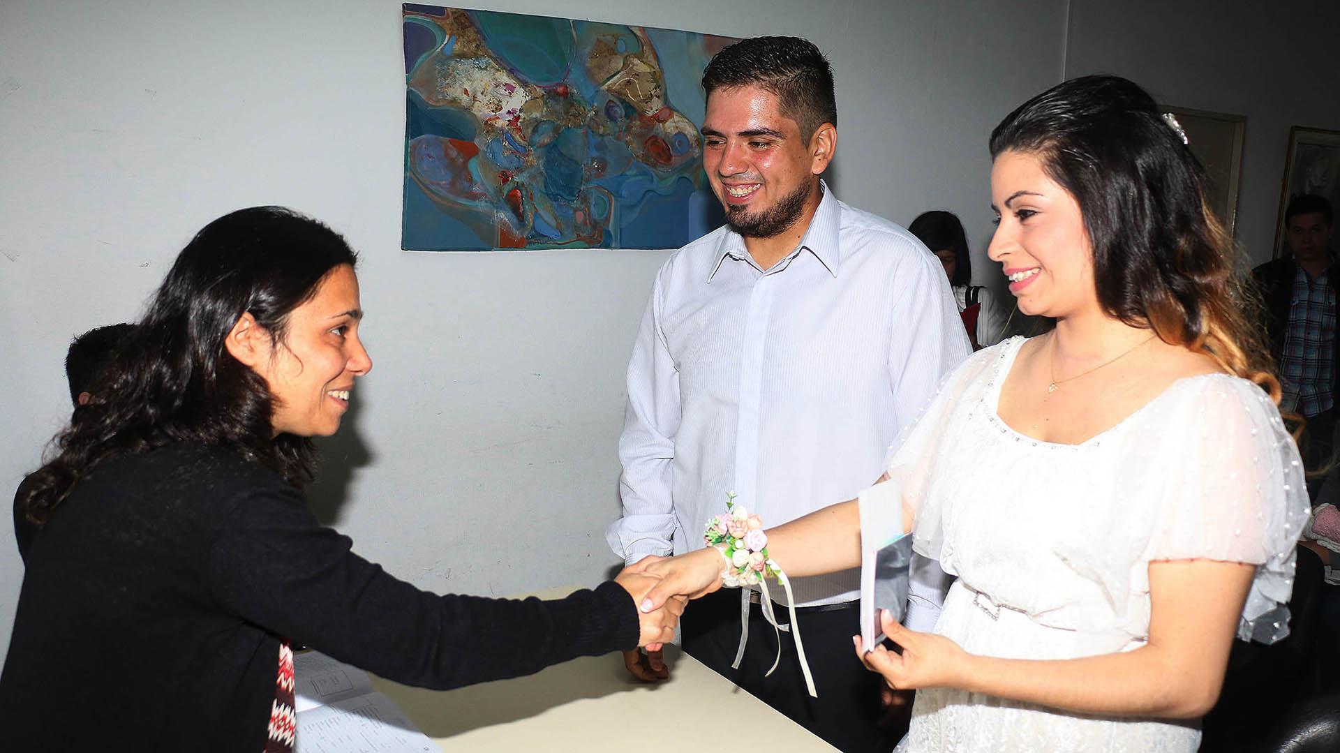 Daniela y Diego en el Registro Civil