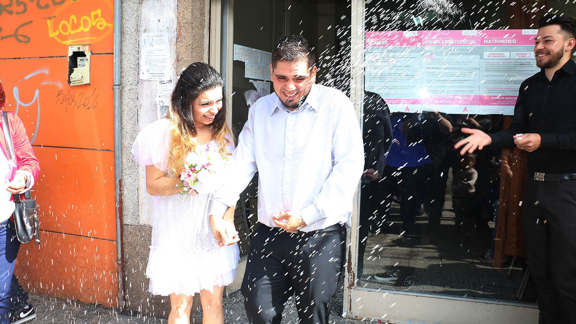 Tras tres años de noviazgo, formalizaron la relación
