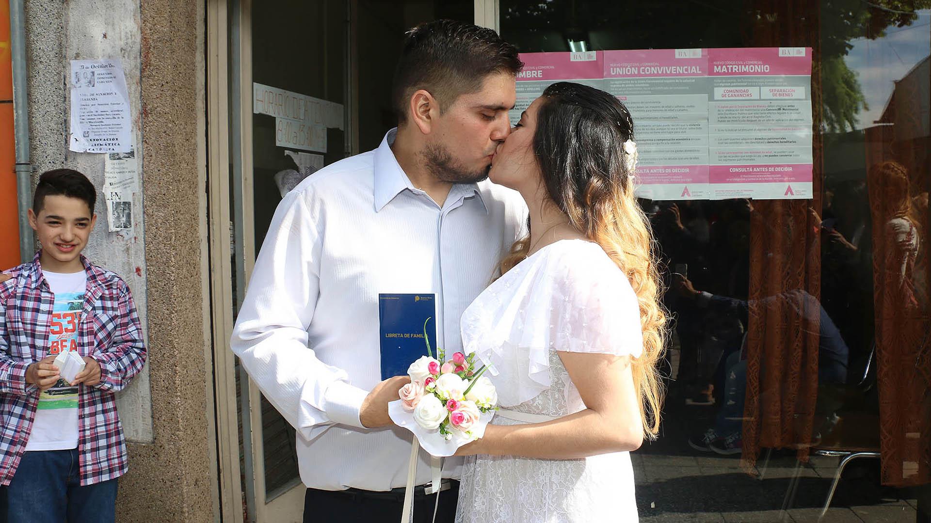 Un amigo de la pareja, Damián, le escribió una carta a Kusnetzoff y solicitó ayuda económica para poder realizar la boda