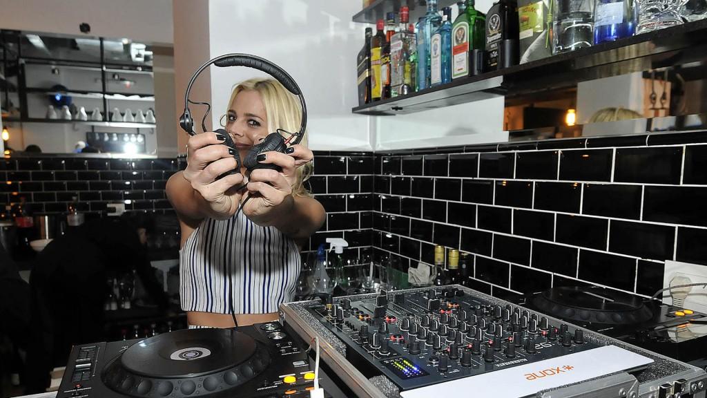 Jimena Campisi fue DJ de la fiesta