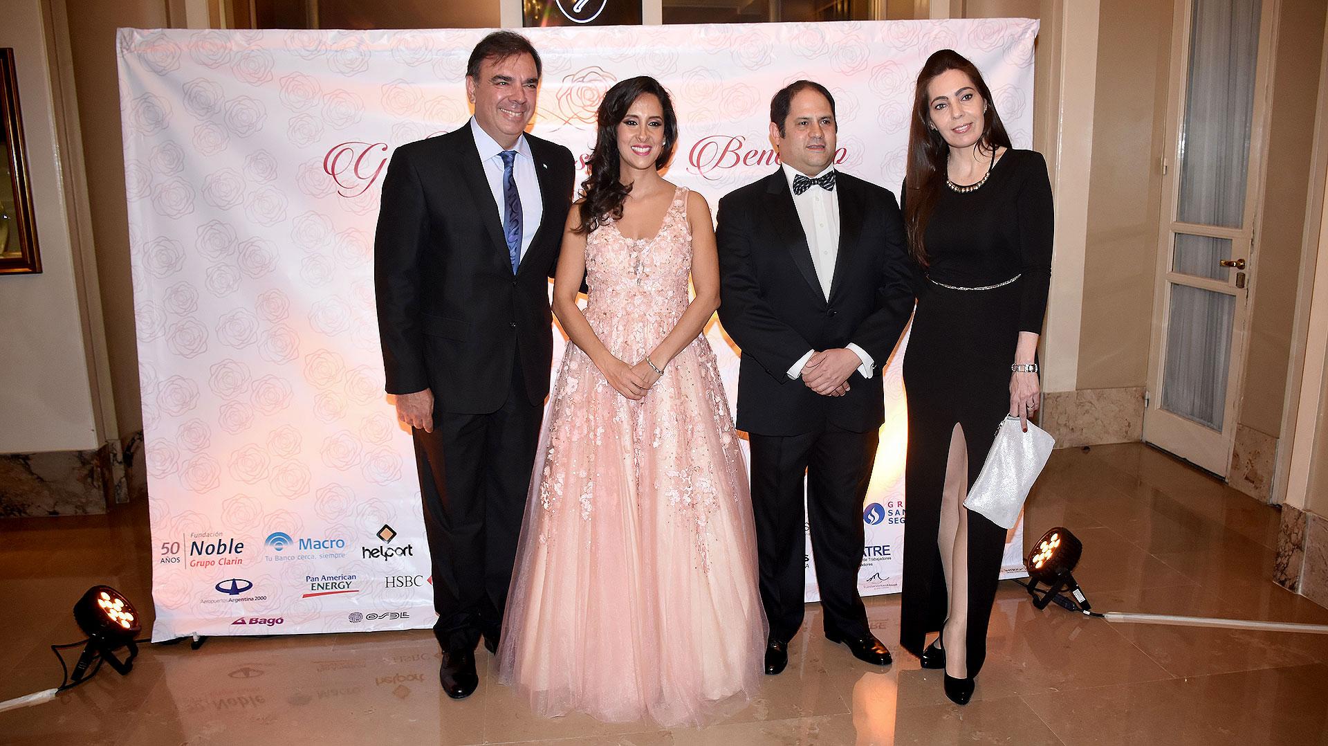 Luis Otero junto a Felipe y Vanesa Noble Herrera