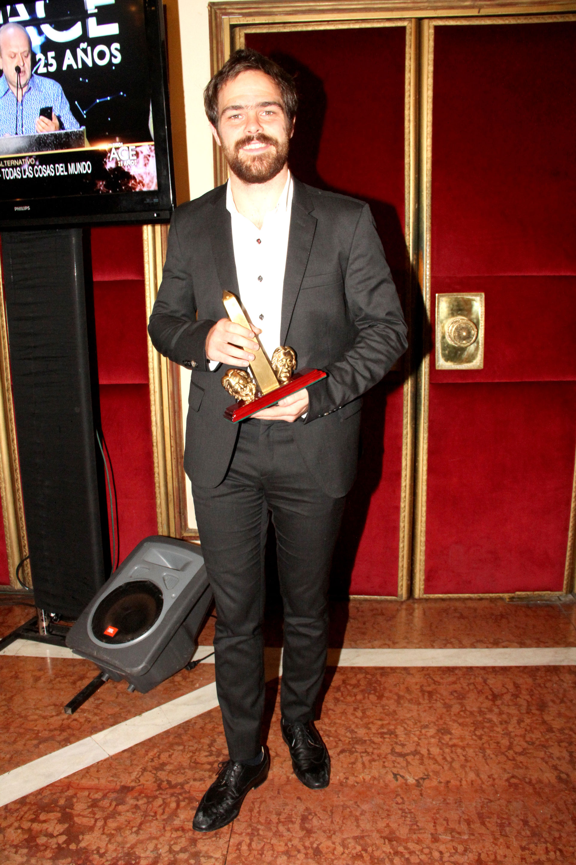 Peter Lanzani ganó como Revelación masculina en Equus