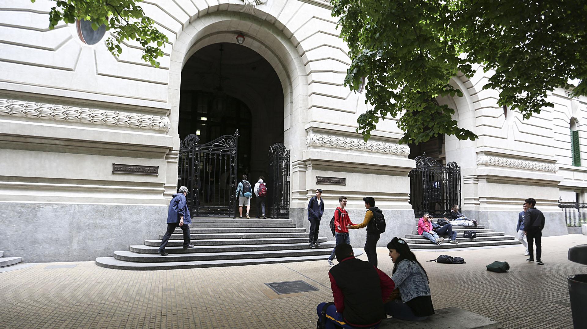 Frente del Colegio Nacional de Buenos Aires (EFE)