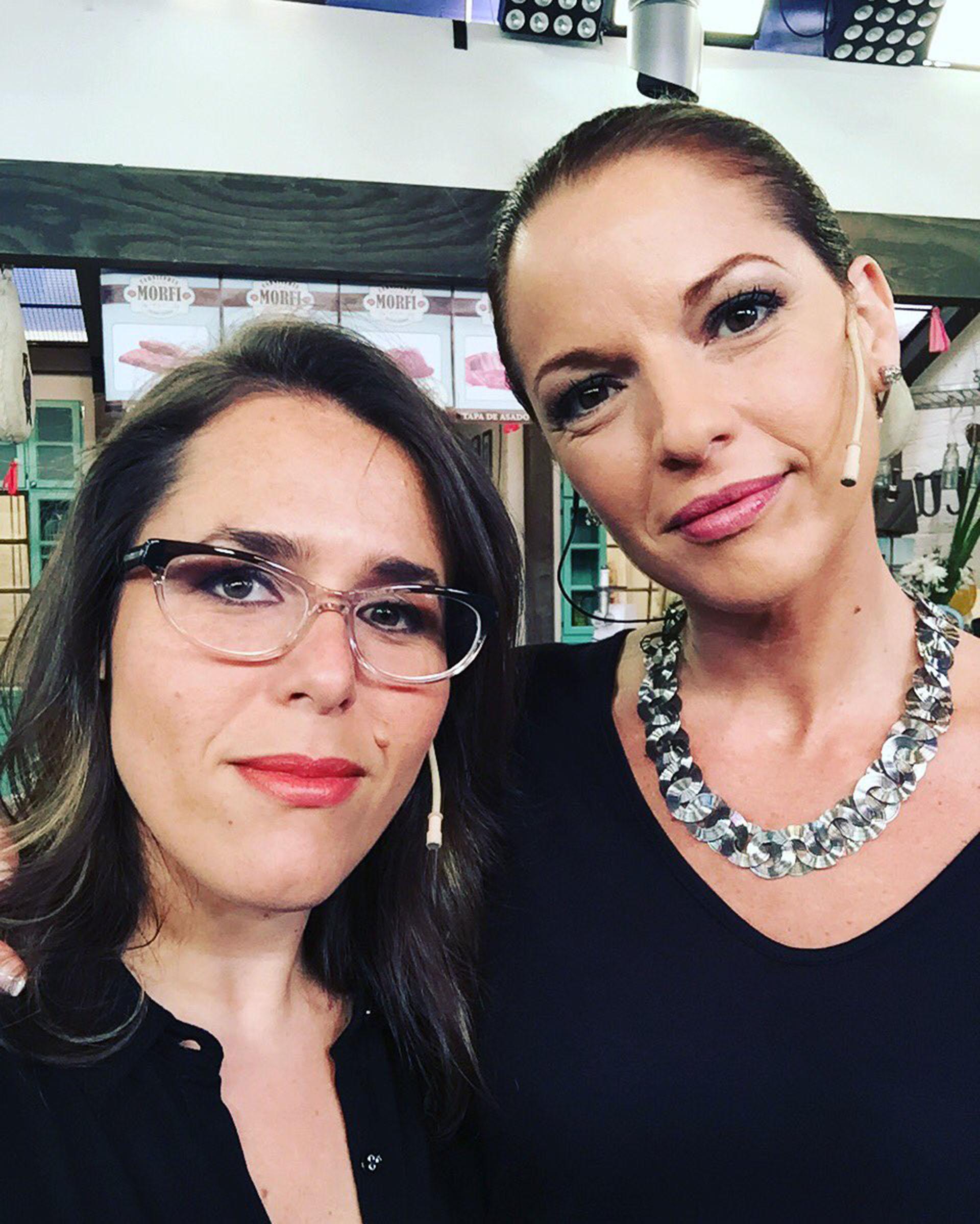 Carina Zampini y Malena Guinzburg se sacaron una selfie también de negro