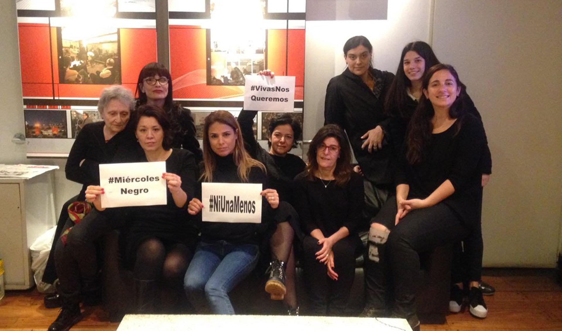 Las mujeres de Radio Mitre se sumaron al #MiércolesNegro