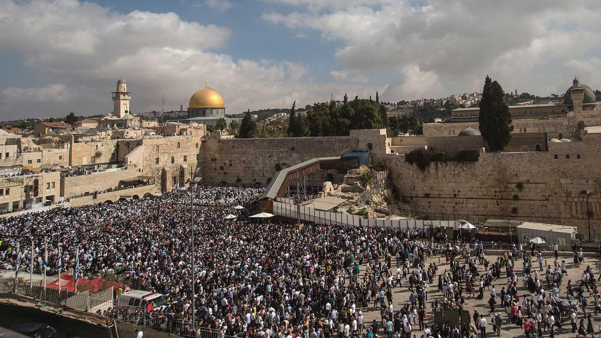 La bendición de los Cohanim congregó a miles de judíos en medio de la polémica por la Unesco
