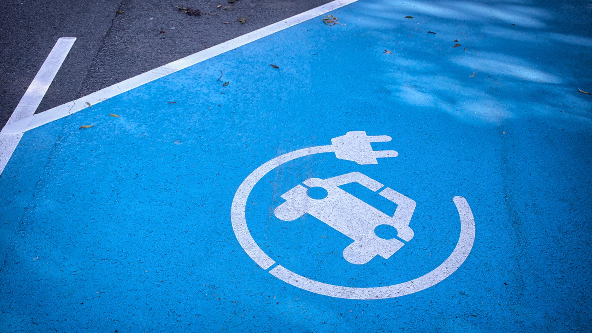 """Argentina se suma a las legislaciones mundiales que promueven la producción y la compra de autos """"verdes"""" (iStock)"""