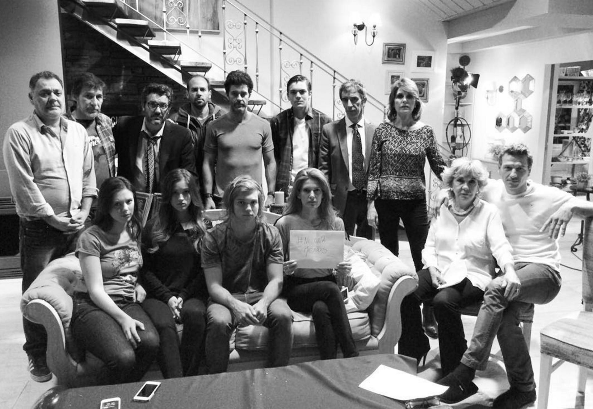 Isabel Macedo junto a sus compañeros expresaron el apoyo en las redes