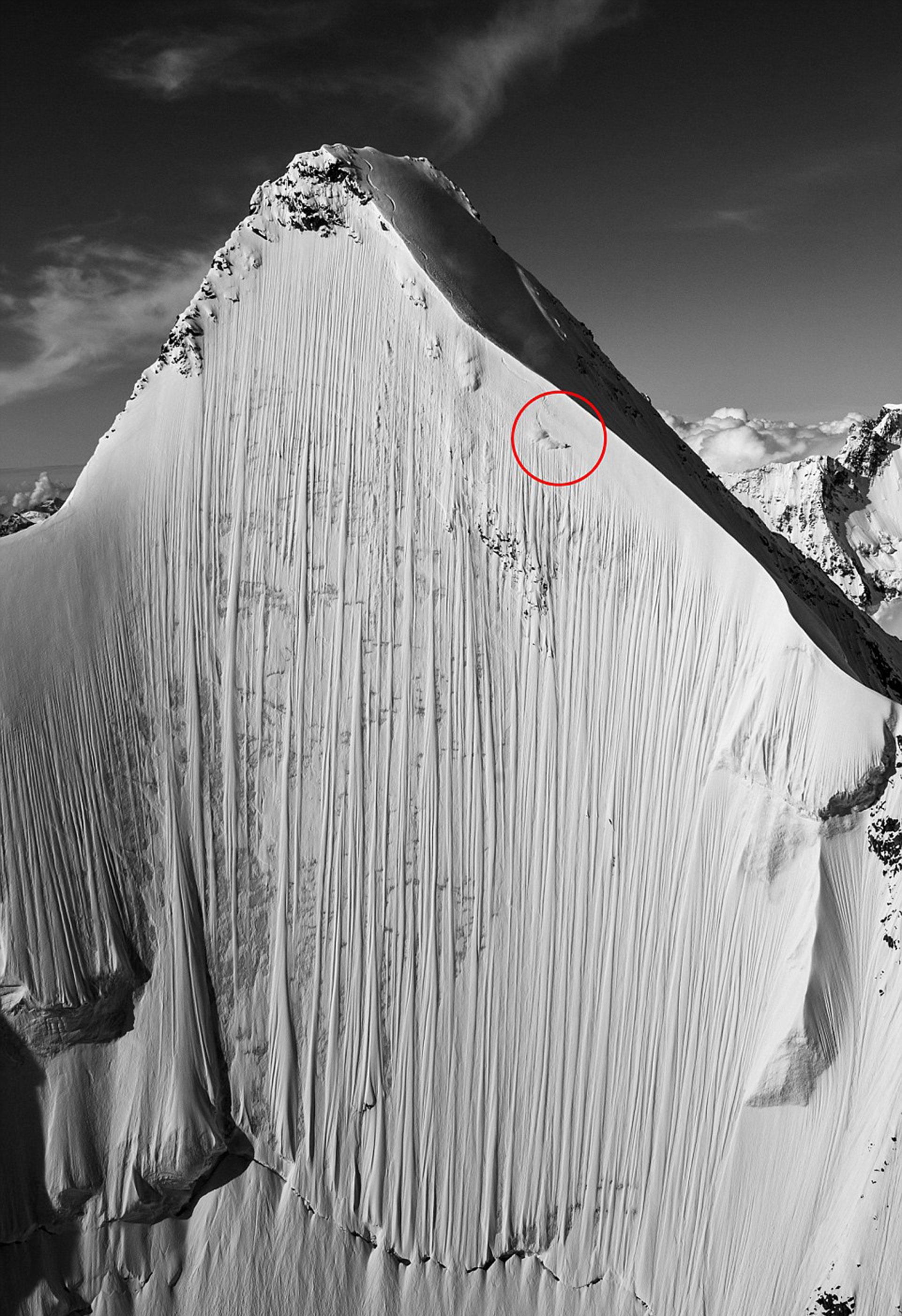 Al borde del abismo. Heitz suele esquiar en lugares en los que nadie se atrevería