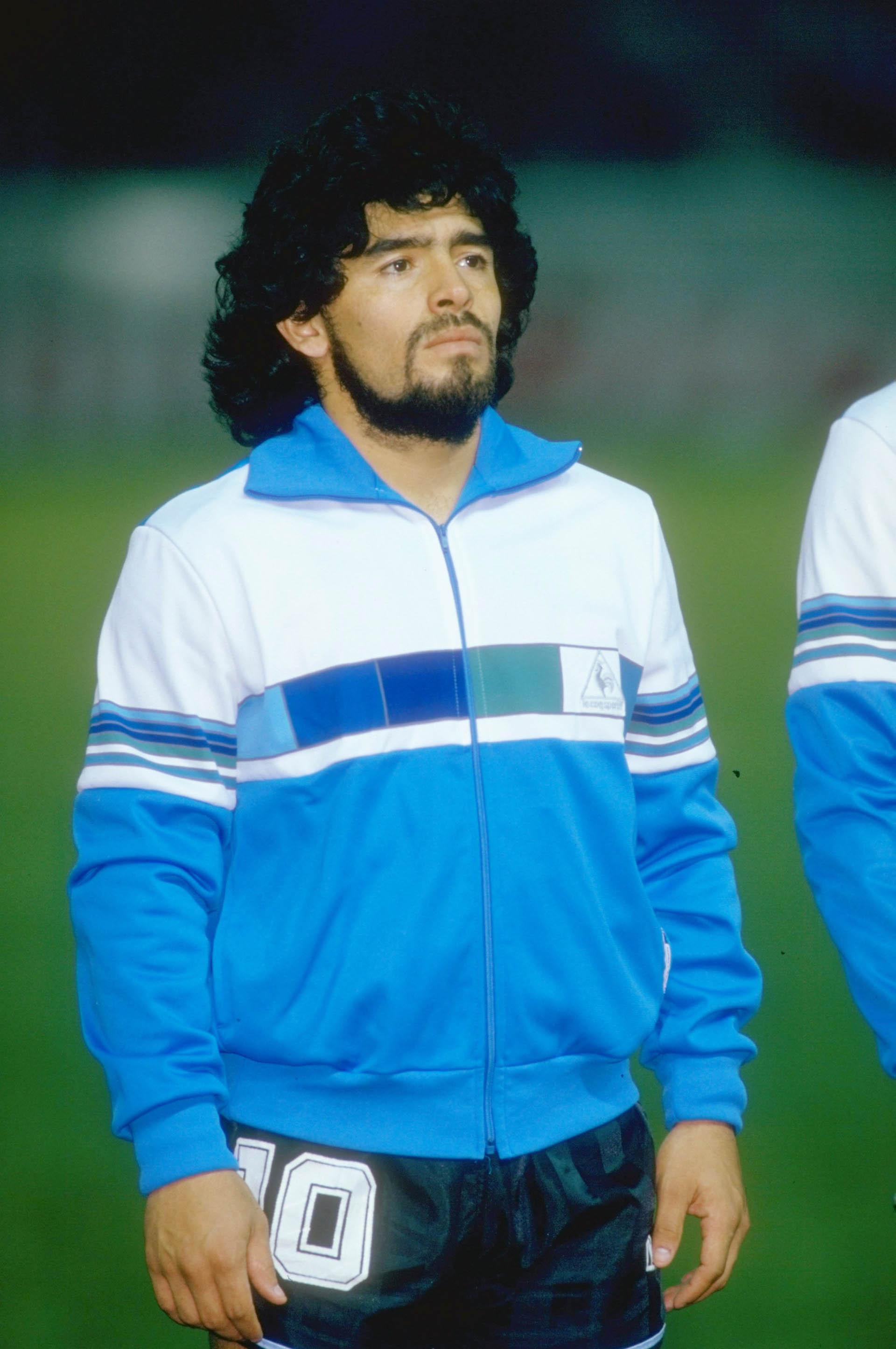 Rulos y barba, un look que utilizó bastante durante la década del '80