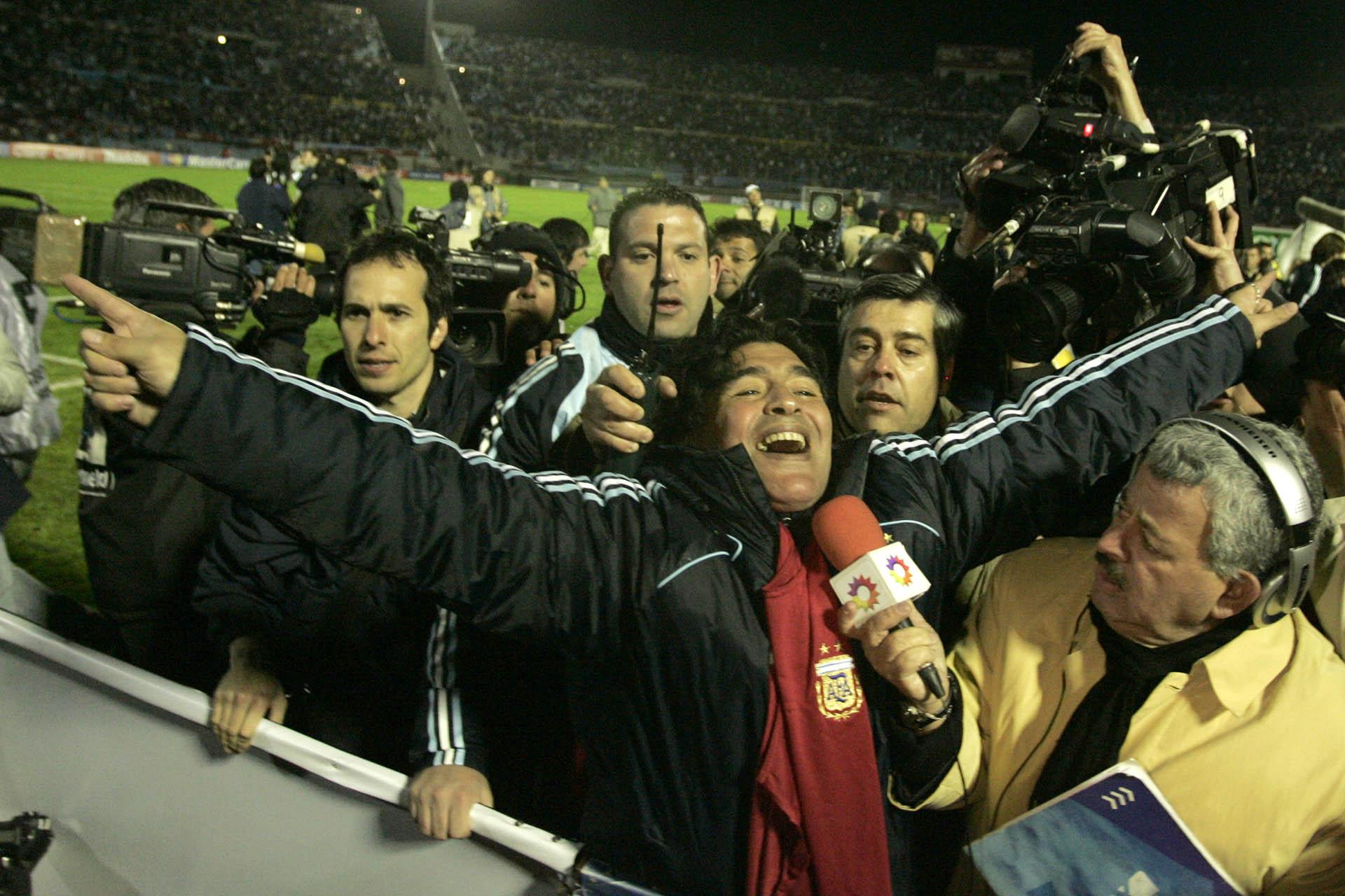Celebrando la agónica clasificación al Mundial 2010, tras ganarle 1 a 0 a Uruguay