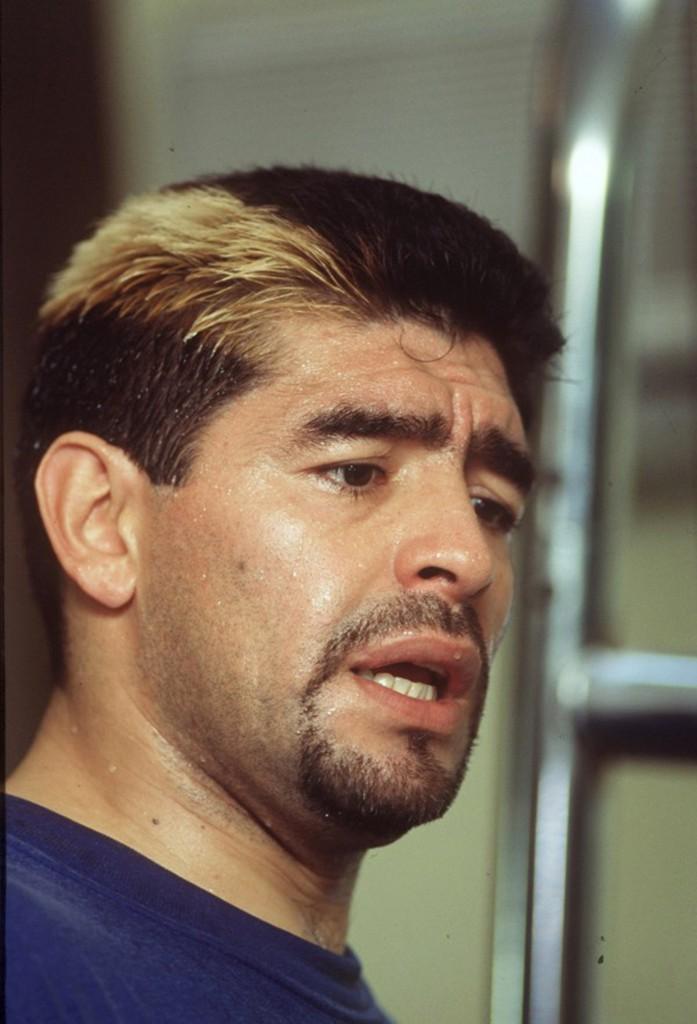 Un mechón rubio, su fiel compañero en sus últimos años como jugador de Boca