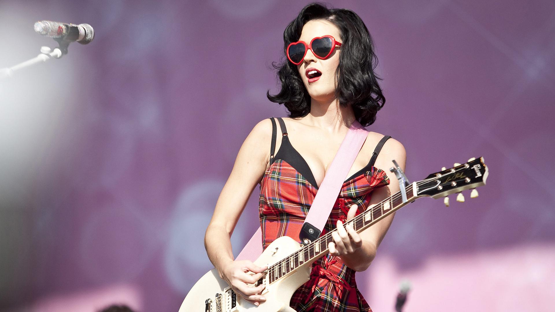 32 años de Katy Perry, 32 fotos sexies