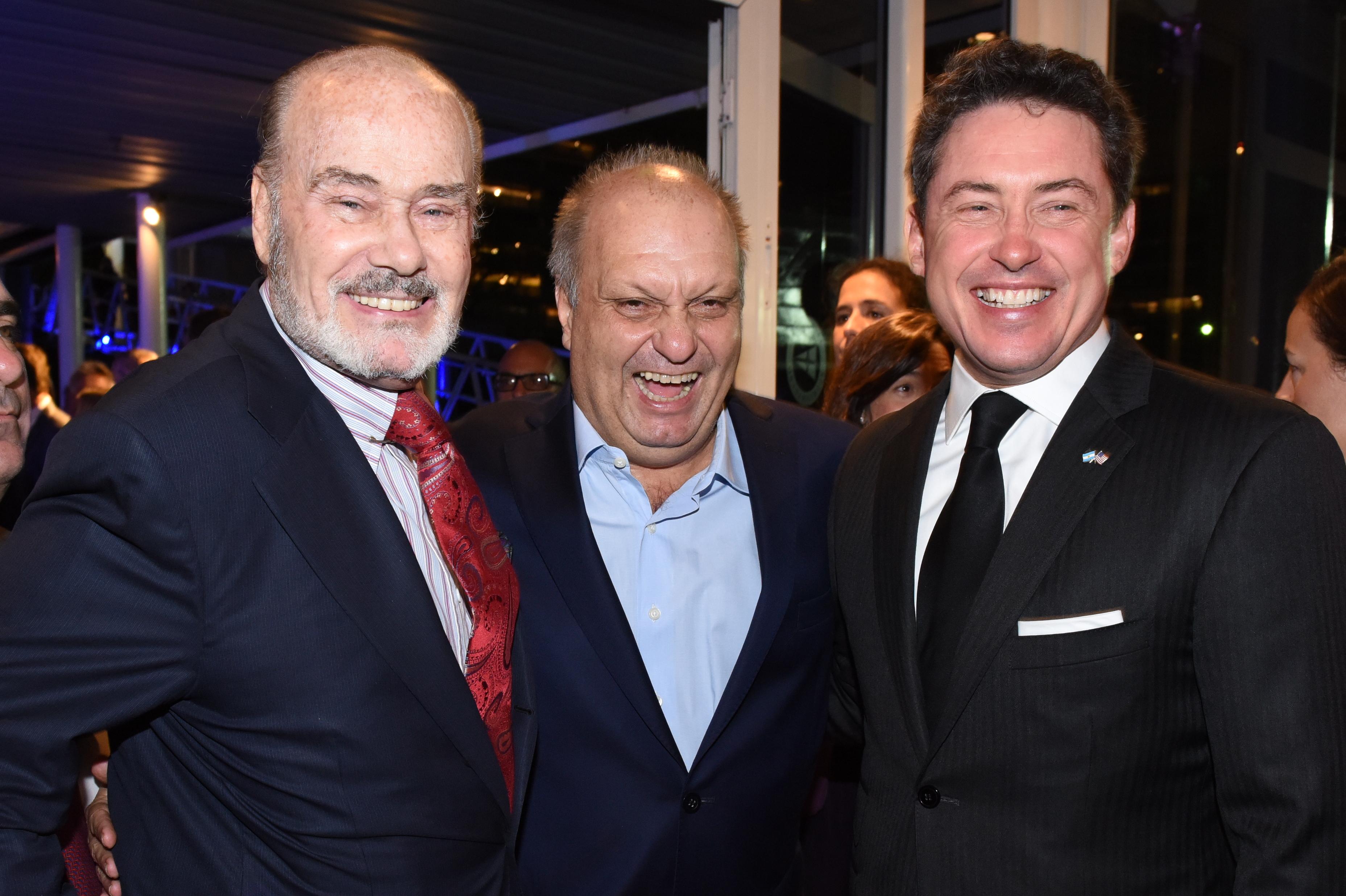 Gino Bogani y Hernán Lombardi, titular del Titular del Sistema Federal de Medios y Contenidos Públicos, junto al embajador de los Estados Unidos en la Argentina, Noah Mamet
