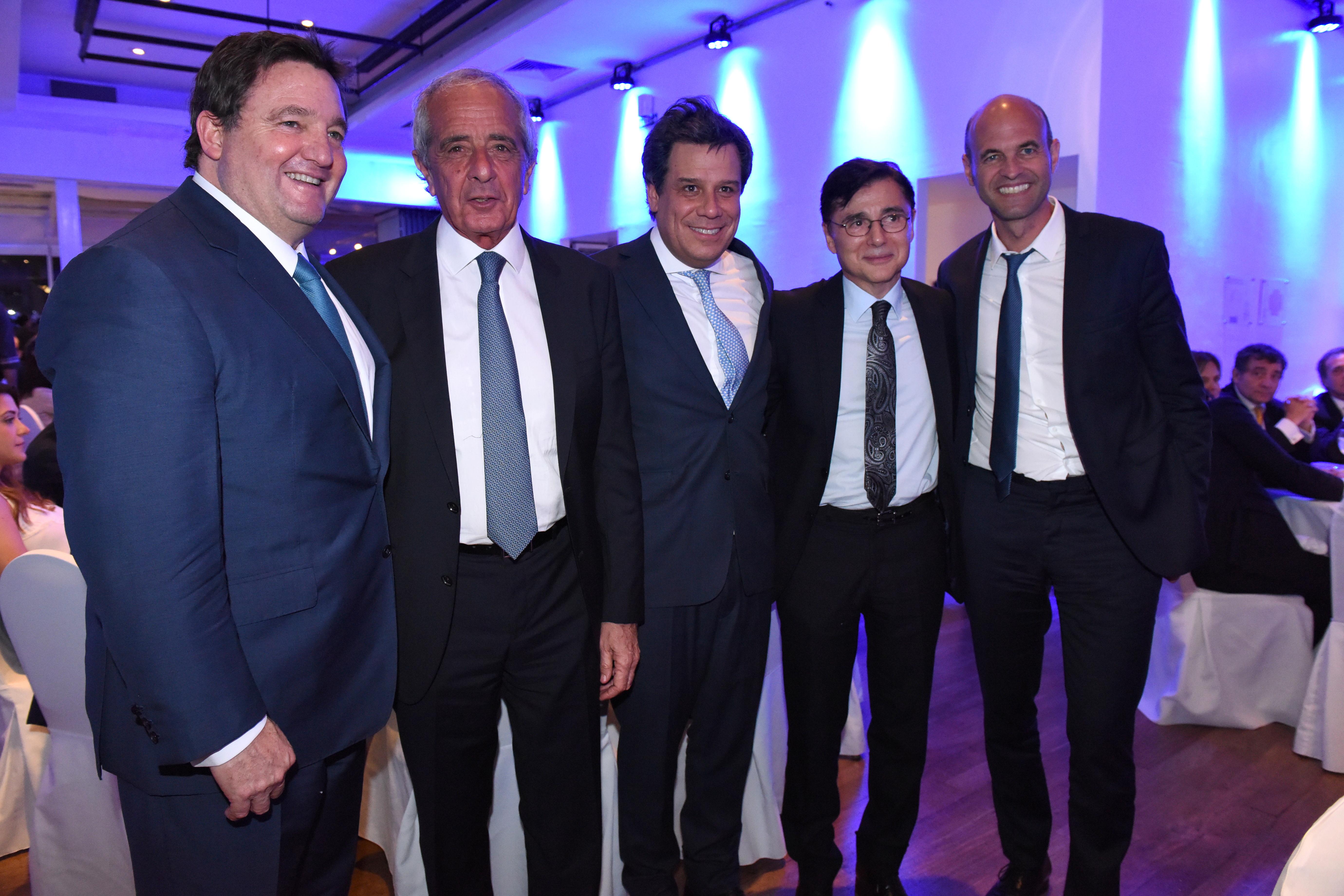 Alejandro Macfarlane, el presidente de River, Rodolfo D'Onofrio; Facundo Manes; el CEO de la editorial Perfil, Jorge Fontevecchia y el ministro de Transporte, Guillermo Dietrich