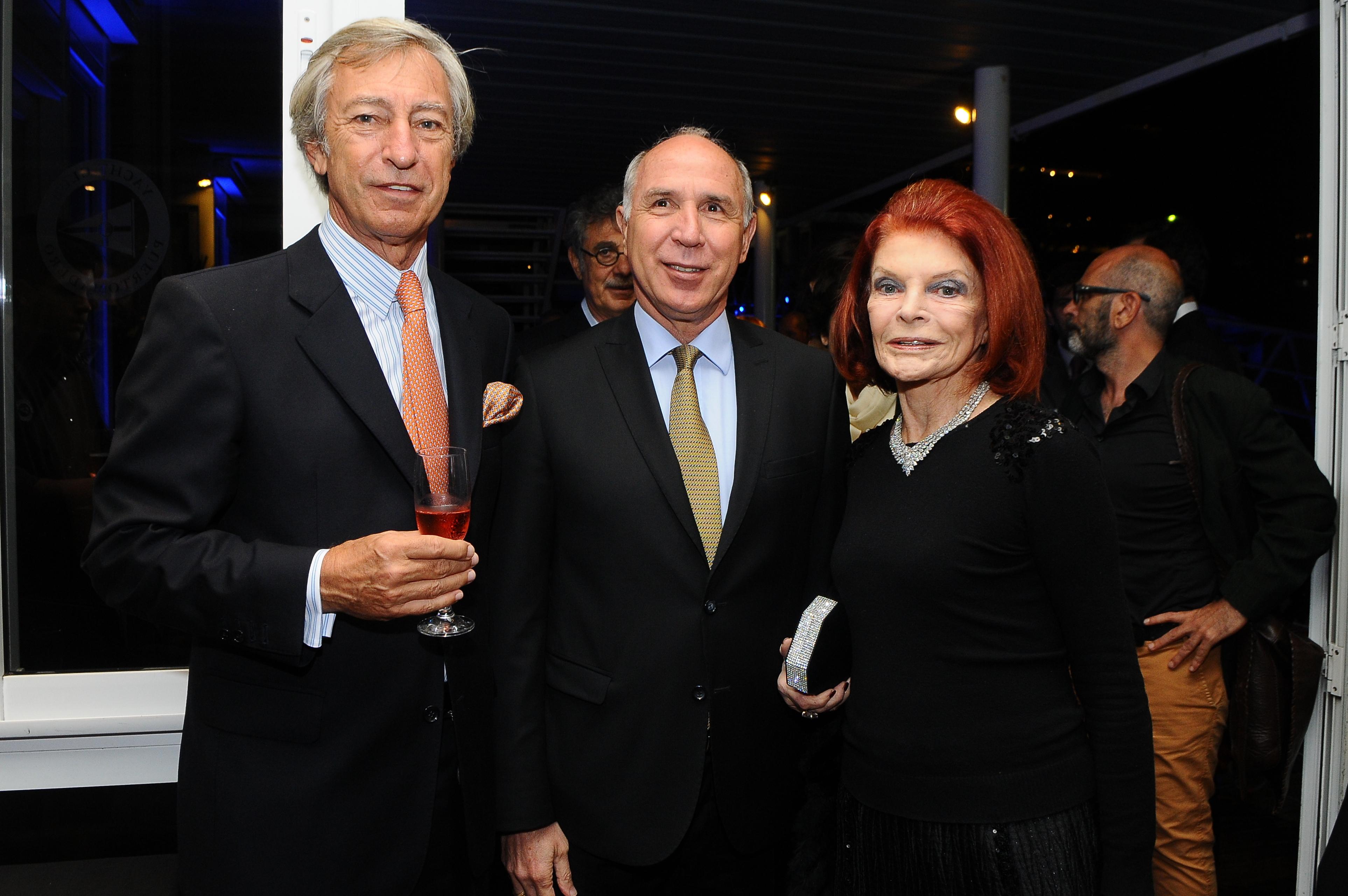 El empresario Germán Neuss junto a Ricardo Lorenzetti, presidente de la Suprema Corte de Justicia, y Lili Sielecki