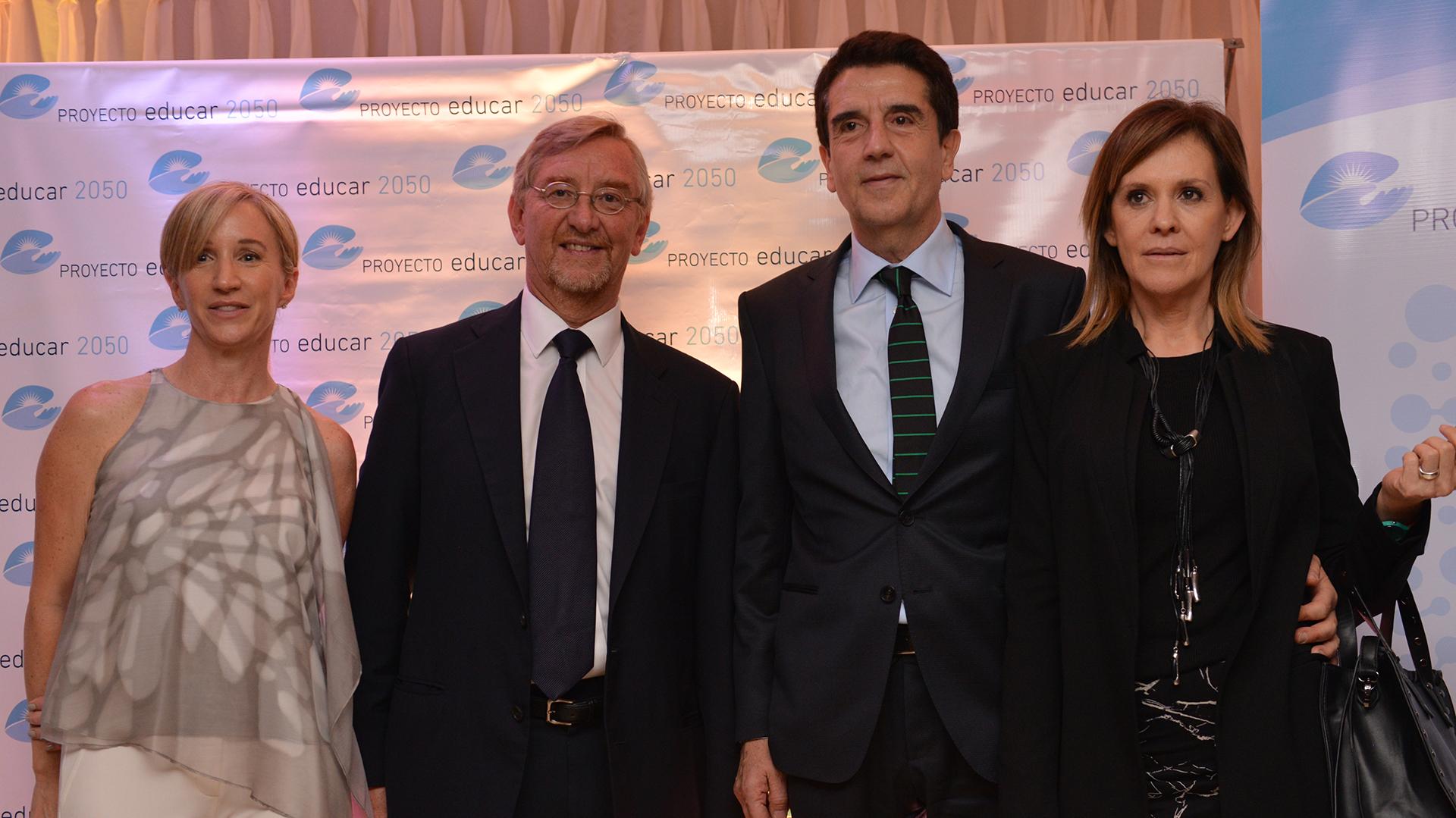 Agustina Blanco, Manuel Álvarez Tronge y Carlos Melconian, presidente del Banco Nación