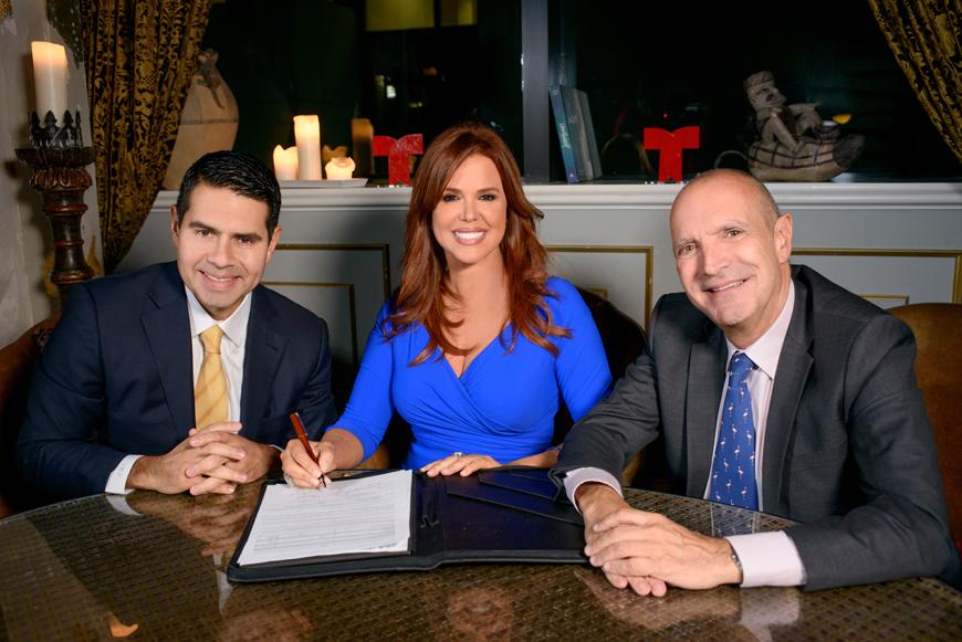 María Celeste con César Conde, presidente de NBC Universal International Group y NBC Universal Telemundo Enterprises y Luis Fernández, VP Ejecutivo de Noticias Telemundo (Telemundo)
