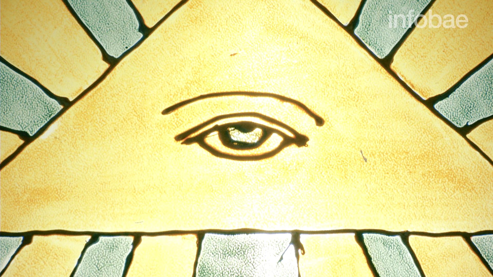 El ojo masónico, uno de los símbolos: representa la primacía de la observación, el estado de alerta, la necesidad de mirar la realidad sin prejuicios