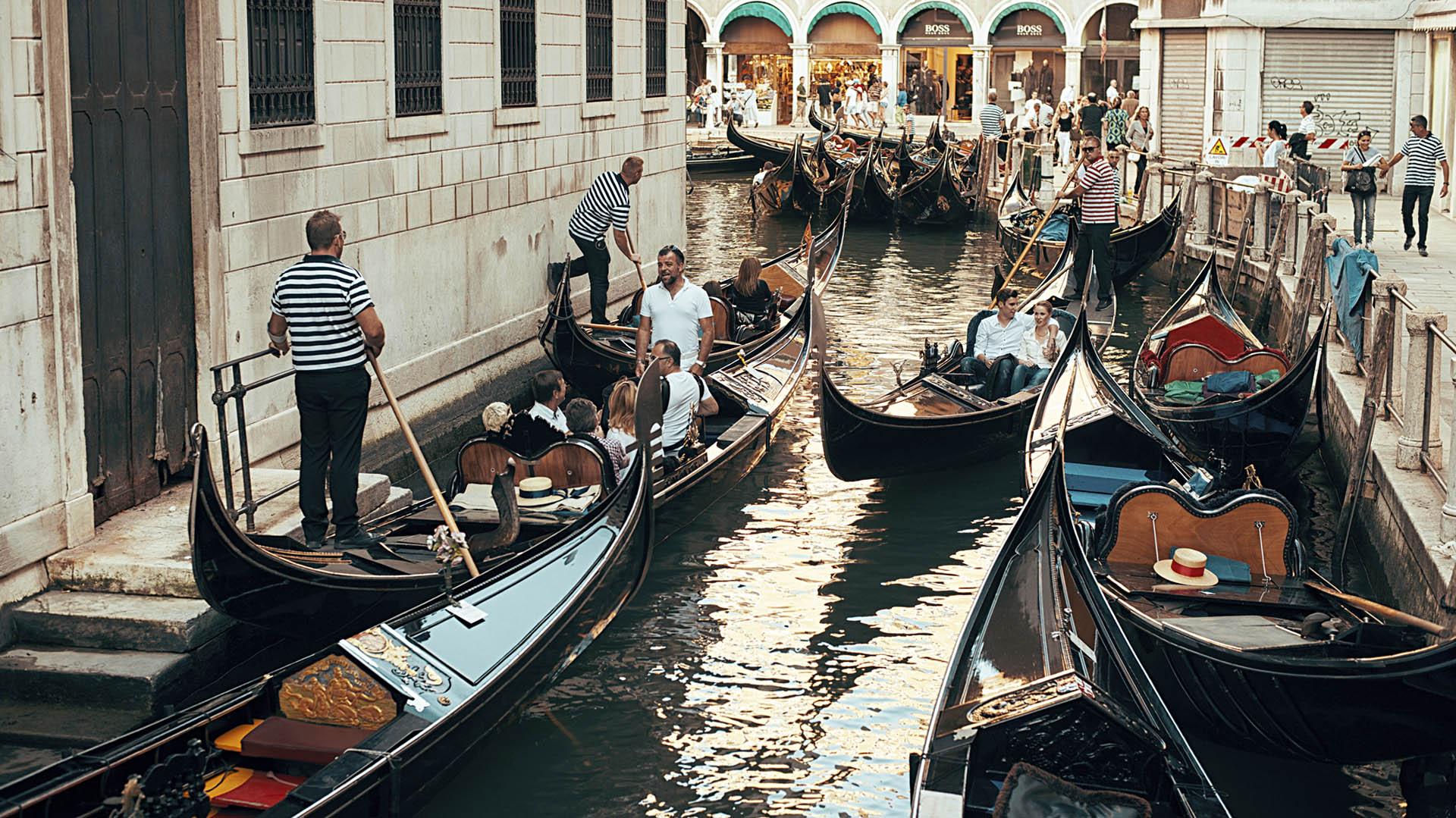"""Cuáles son las medidas que están tomando ciertas ciudades como Venecia para luchar contra el """"turismo excesivo"""" (iStock)"""