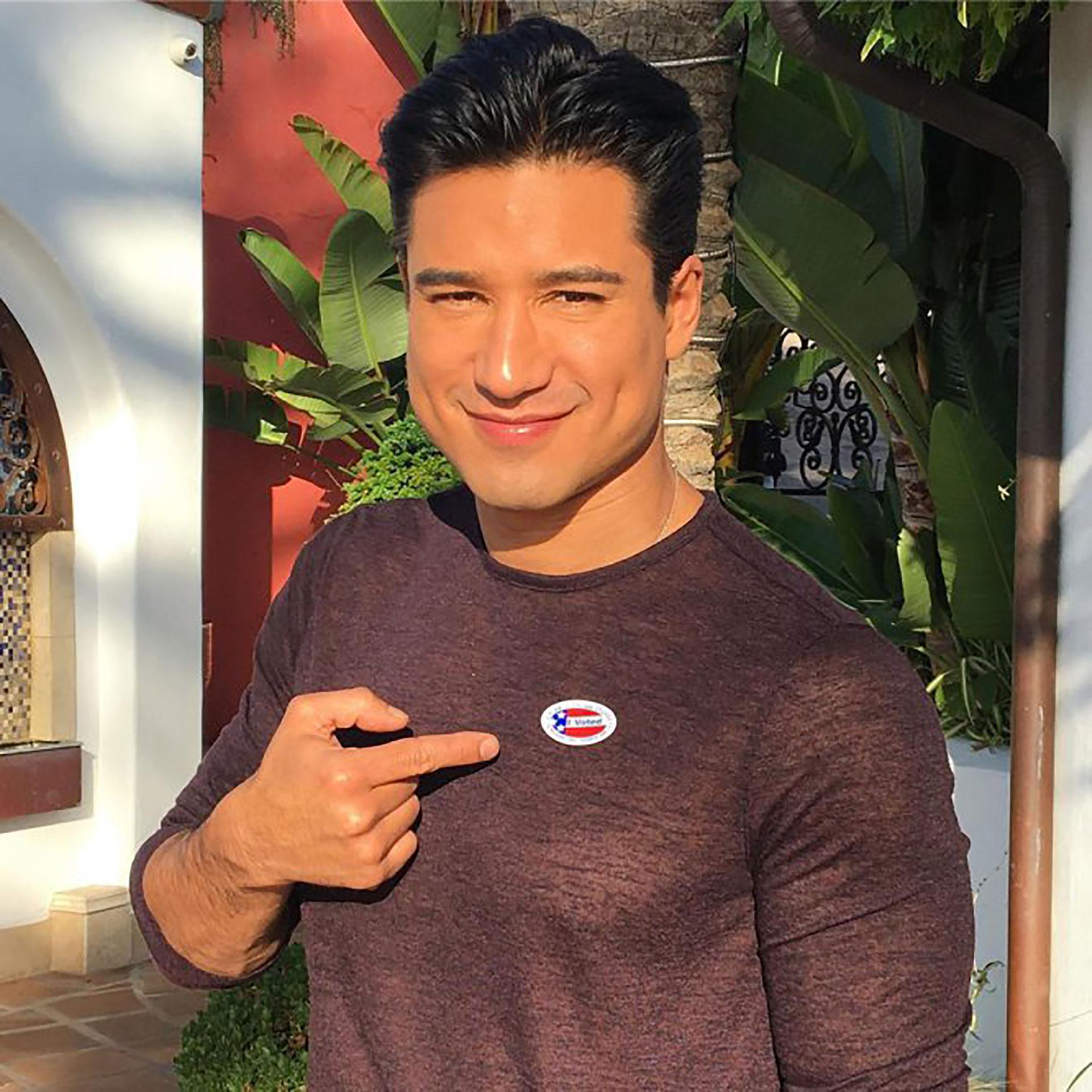 """El actor y presentador Mario Lopez expresó junto a la imagen: """"Si no votas no te puedes quejar"""""""