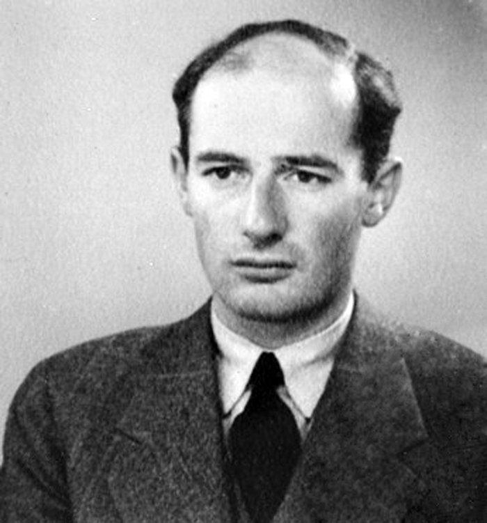 Como vicecónsul suizo en Budapest, Lutz conoció e instruyó a Raoul Wallenberg, diplomático sueco también dedicado a salvar judíos