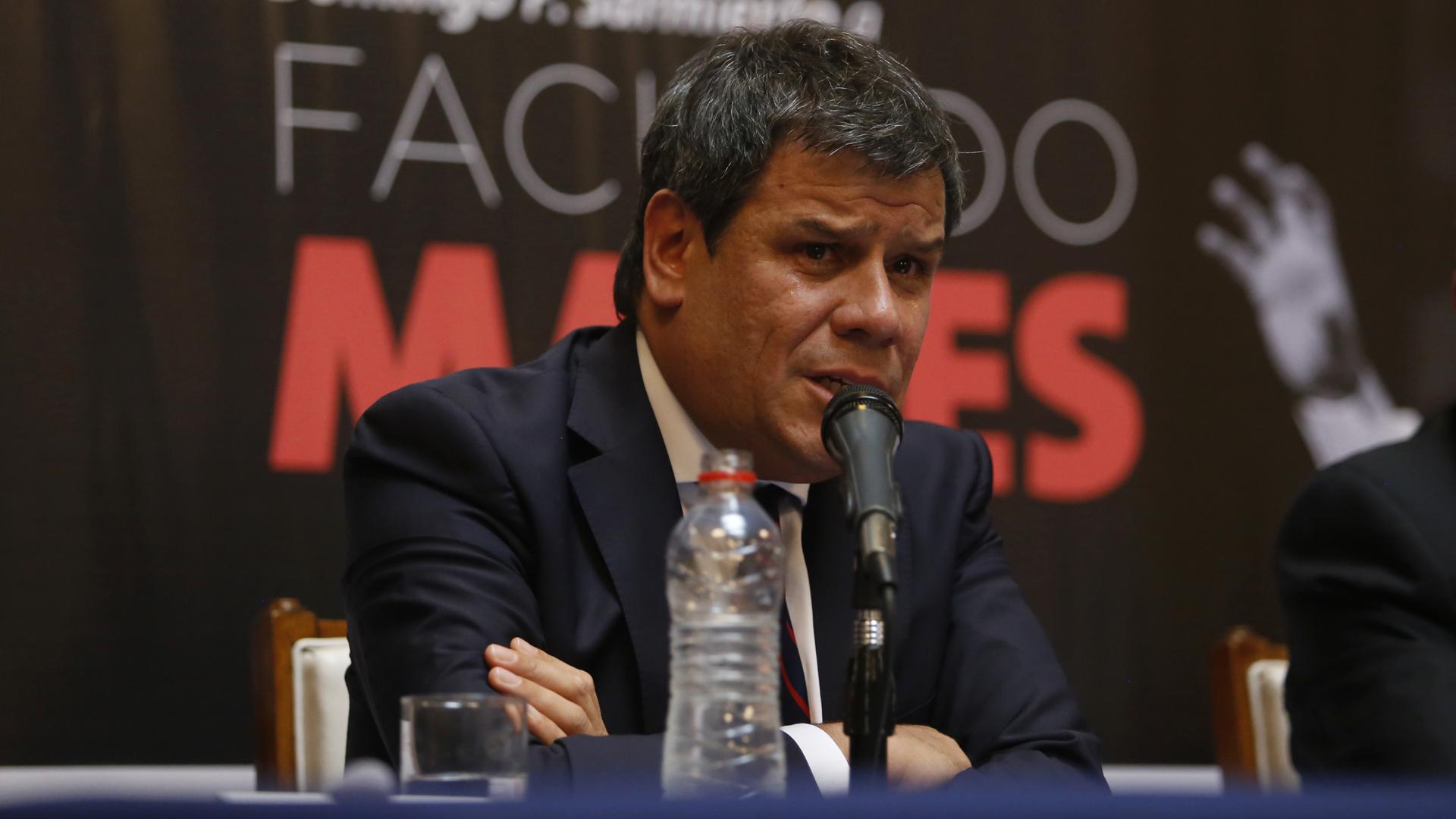 Facundo Manes, emocionado en el comienzo de su discurso