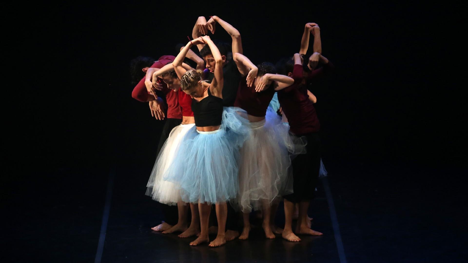 Luego, el Taller de Danzas se convertiría en un espacio con vuelo propio, consolidándose gracias a la Fundación Amigos del Teatro San Martín, que desde 2007 creó el Programa de Becas a la excelencia Ana Itelman, a fin de brindar apoyo económico a alumnos destacados