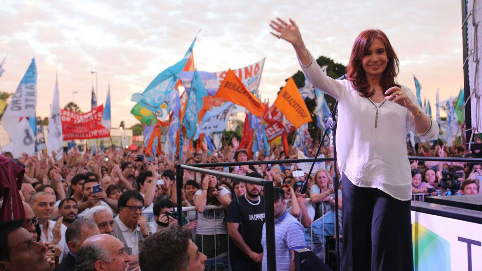 Cristina Kirchner aún no definió si será candidata o no en la provincia de Buenos Aires