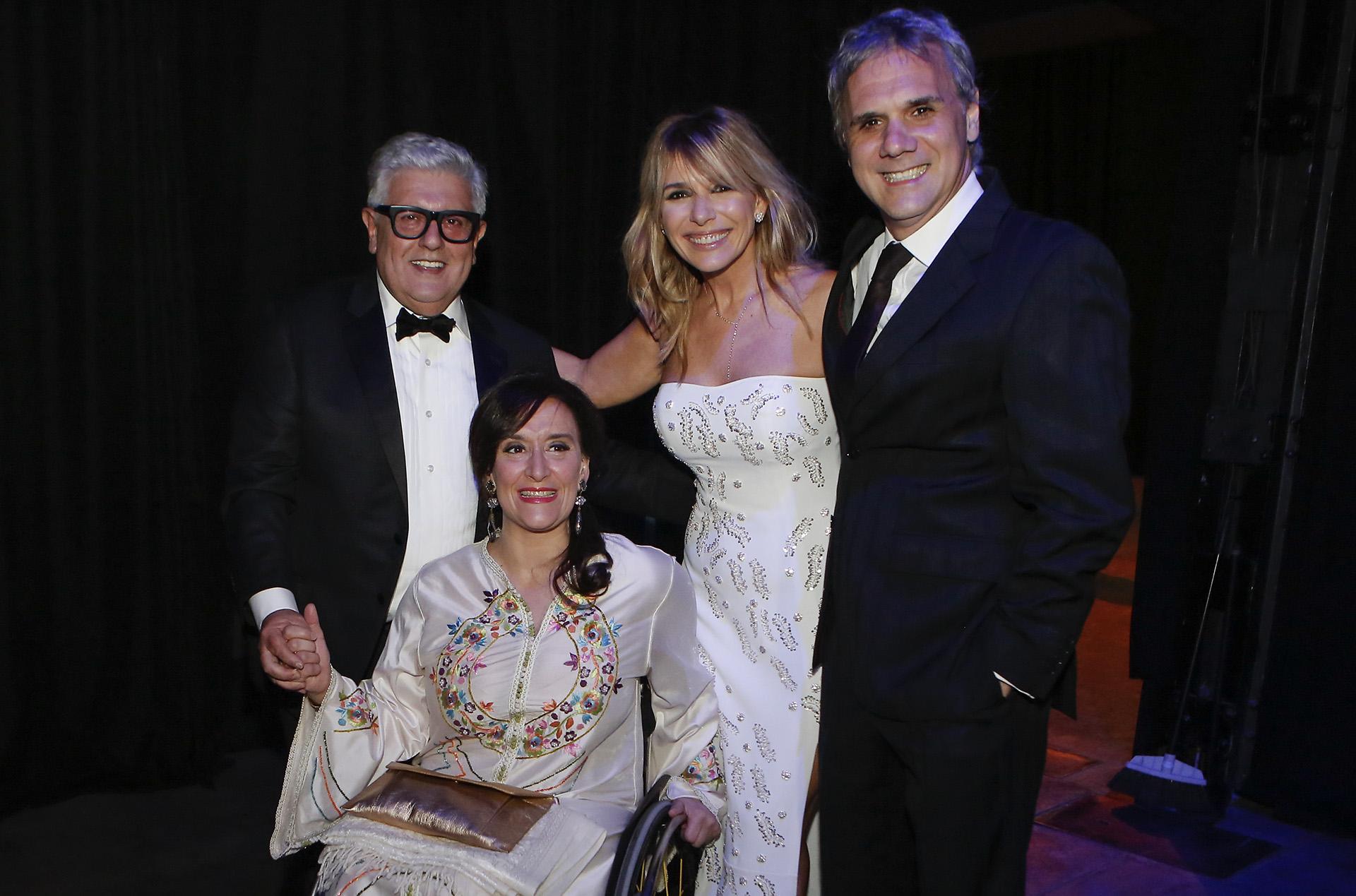 La vicepresidente de la Nación, Gabriela Michetti, y Juan Tonelli junto a Carlos Gorosito y Grace Ratto