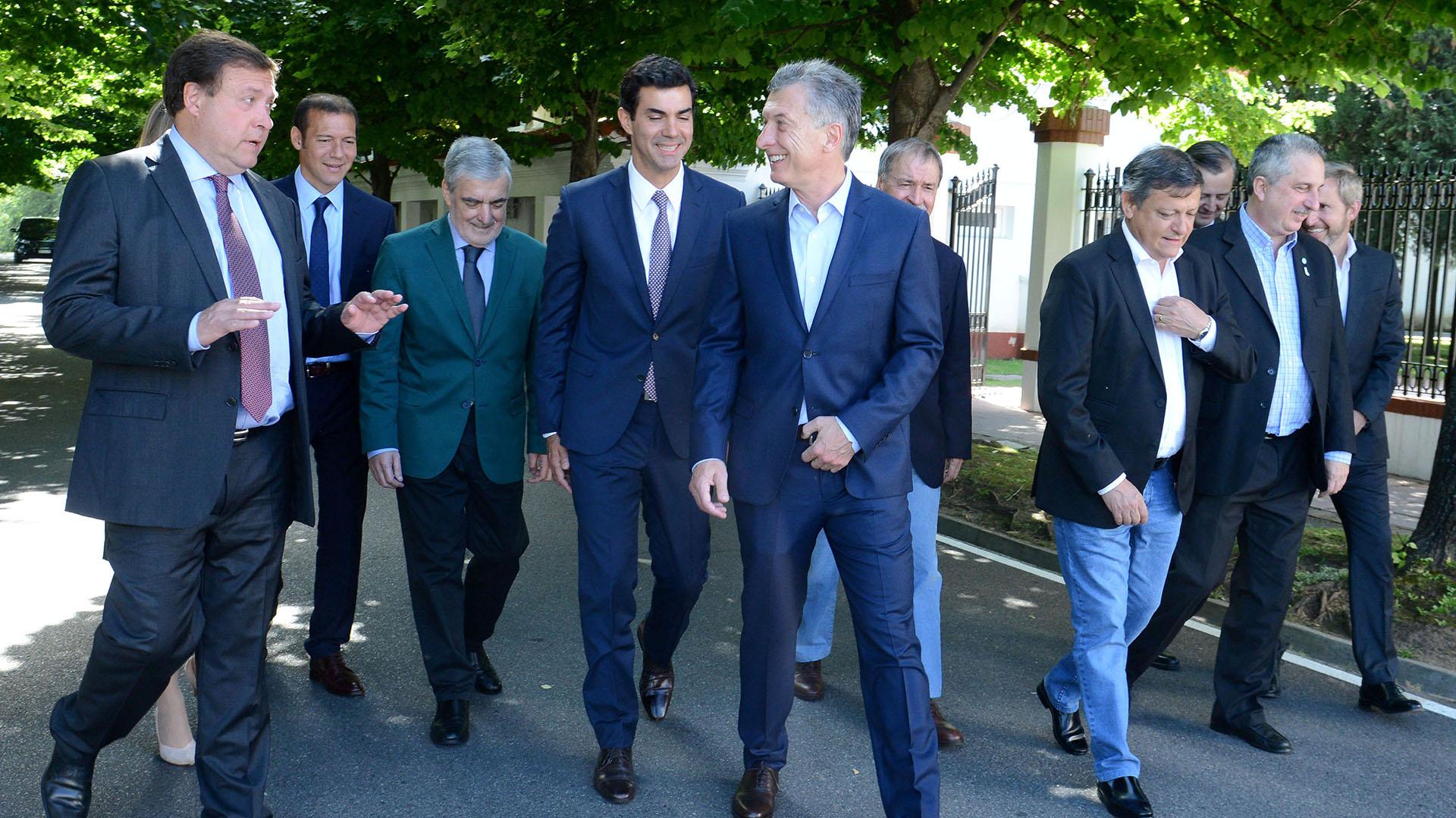 Mauricio Macri junto a los gobernadores (Presidencia)
