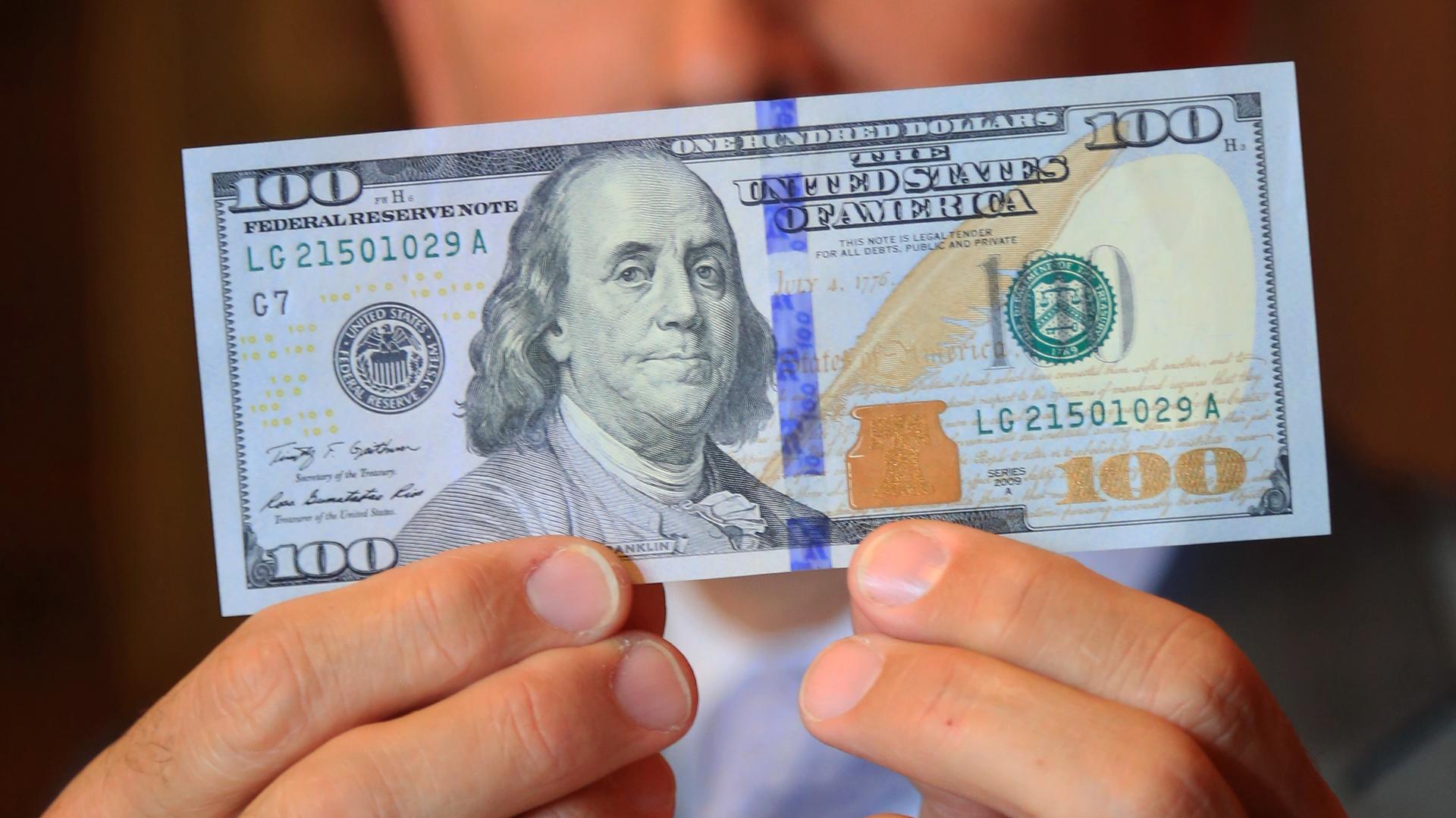 Entre mayo y junio el dólar acumuló un incremento de 7,4 por ciento. (NA)