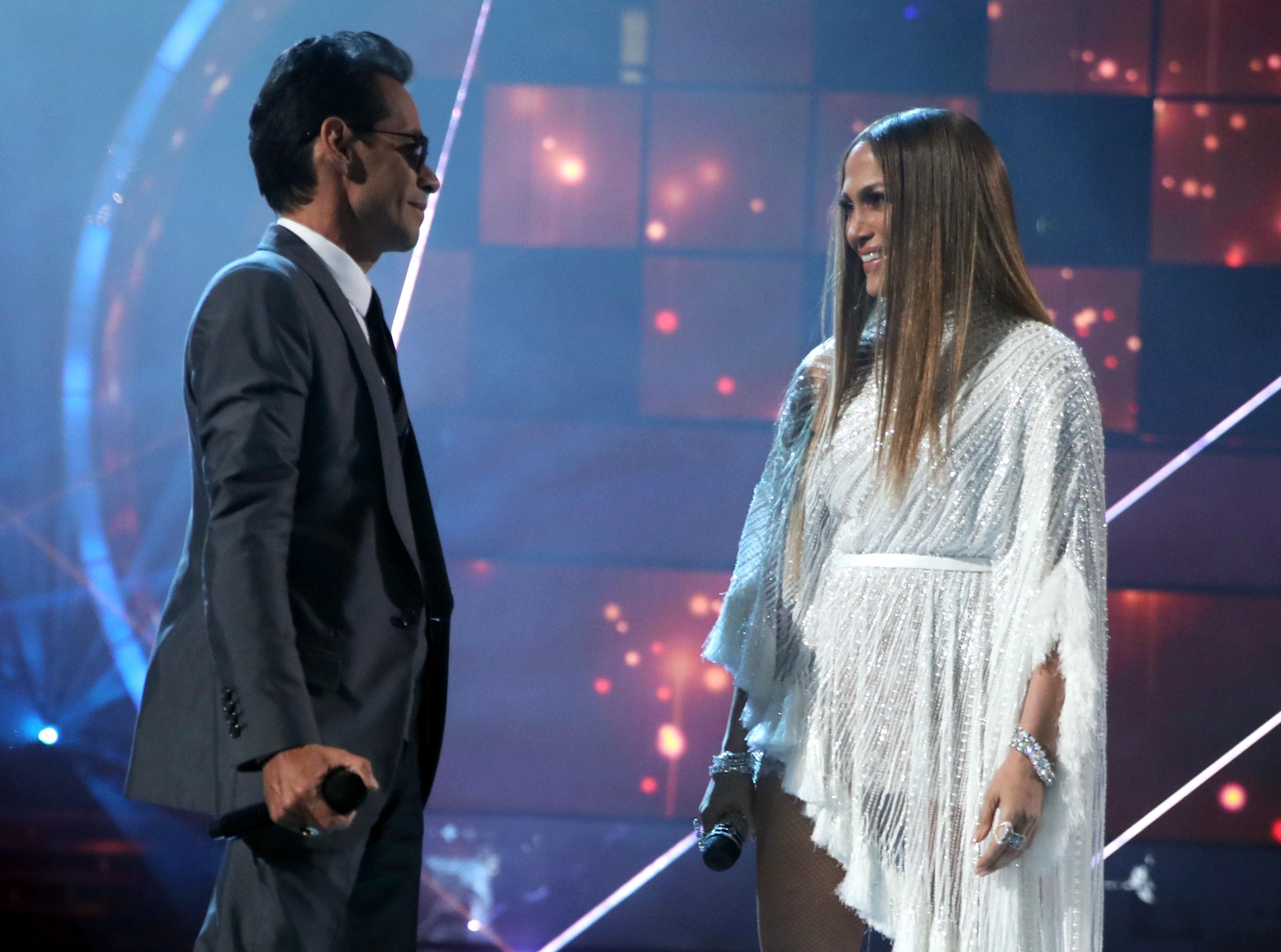 Marc Antony y Jennifer López cantaron juntos