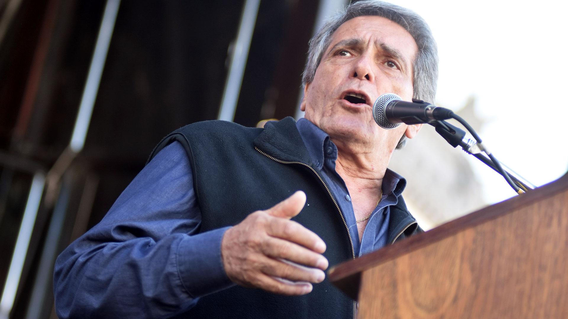Carlos Acuña, uno de los integrantes del triunvirato que conduce la CGT, se diferenció de Moyano.