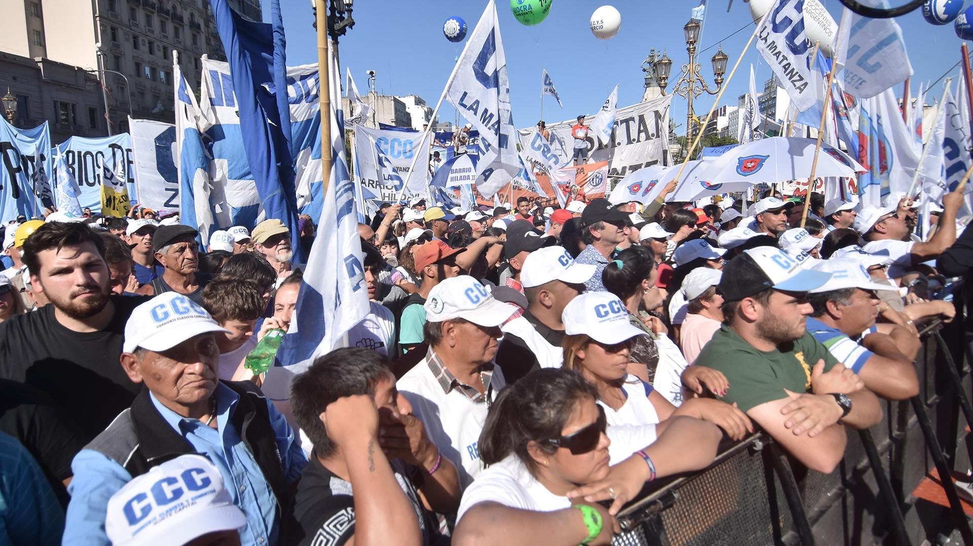 El grupo de militantes de la CCC que participó de la marcha
