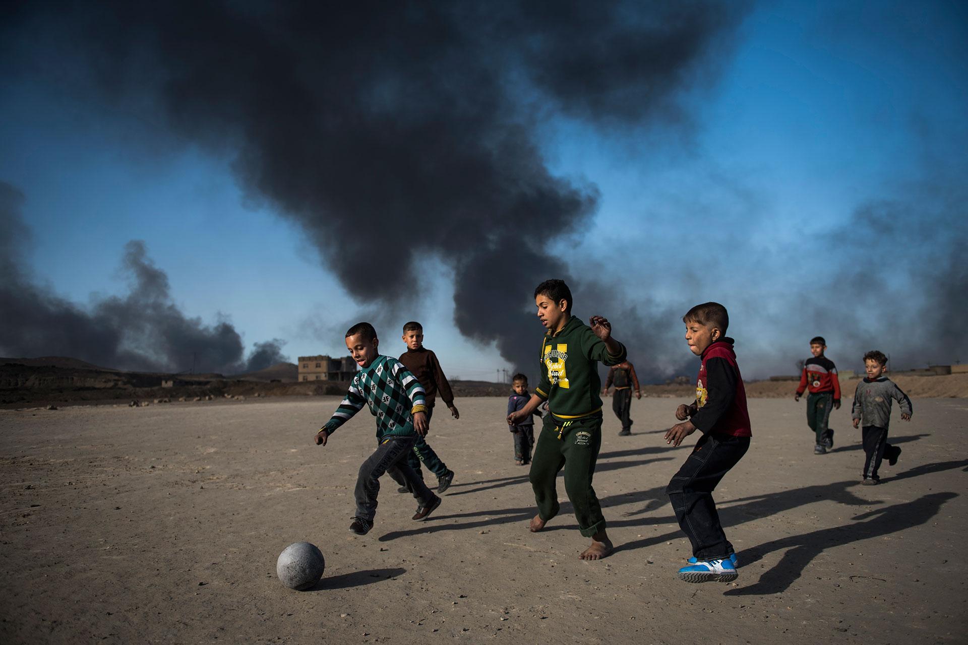 Qayyarah y las zonas aledañas fueron finalmente liberadas de los terroristas a finales de agosto (AFP)