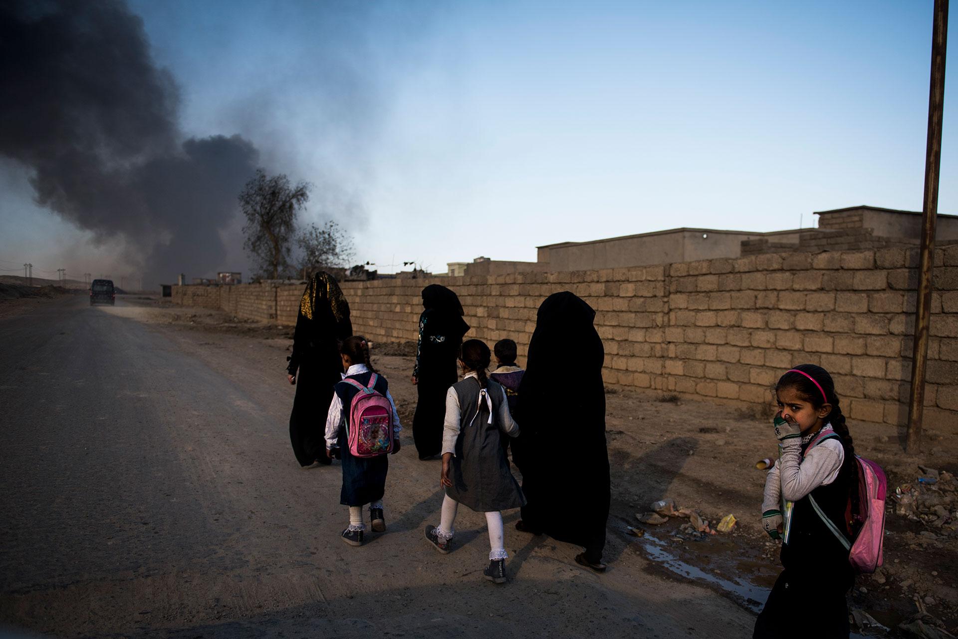 Los yihadistas provocaron los incendios en Qayyarah cuando todavía controlaban la zona (AFP)