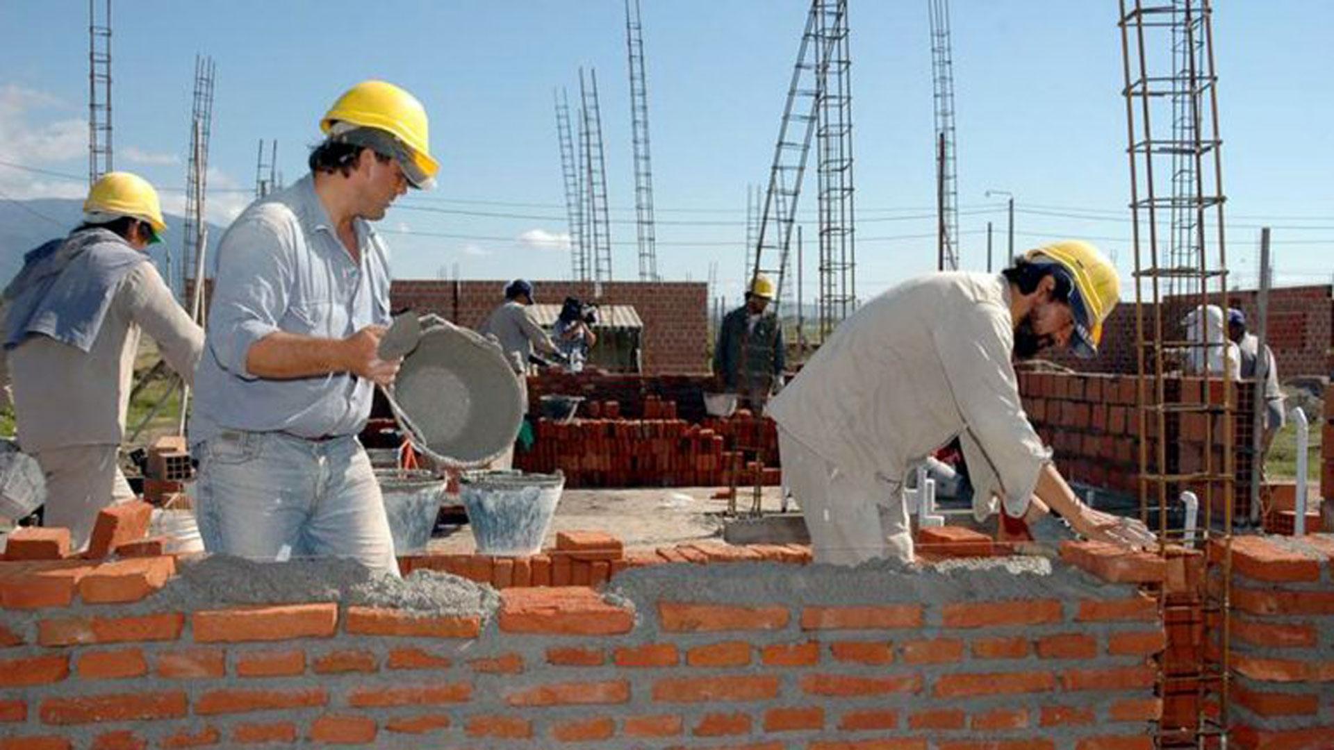 La inflación en dólares está afectando la rentabilidad de desarrollos privados.